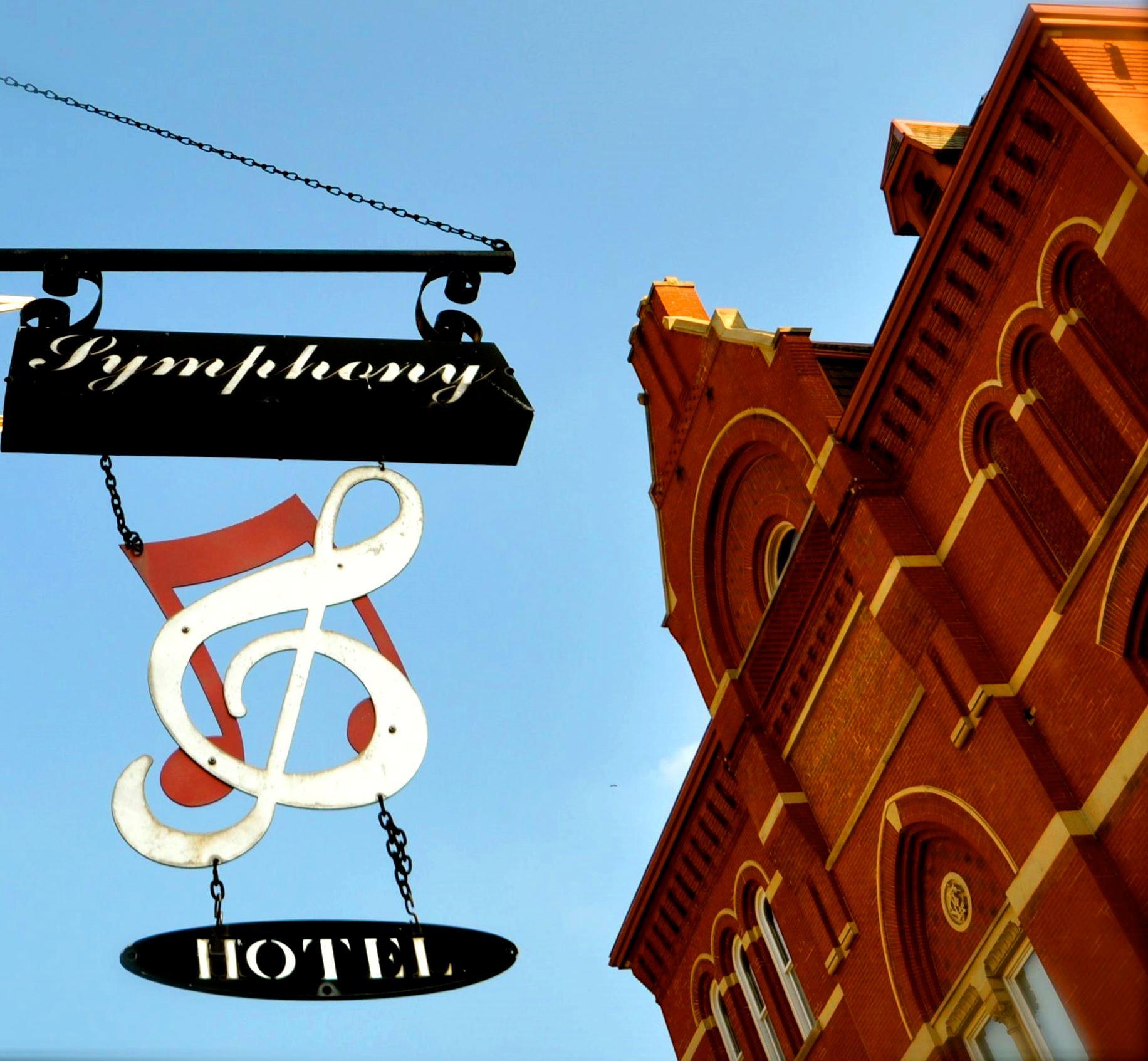 Symphony Hotel & Restaurant image 1