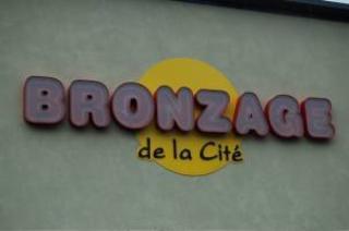 Bronzage De La Cité à Laval