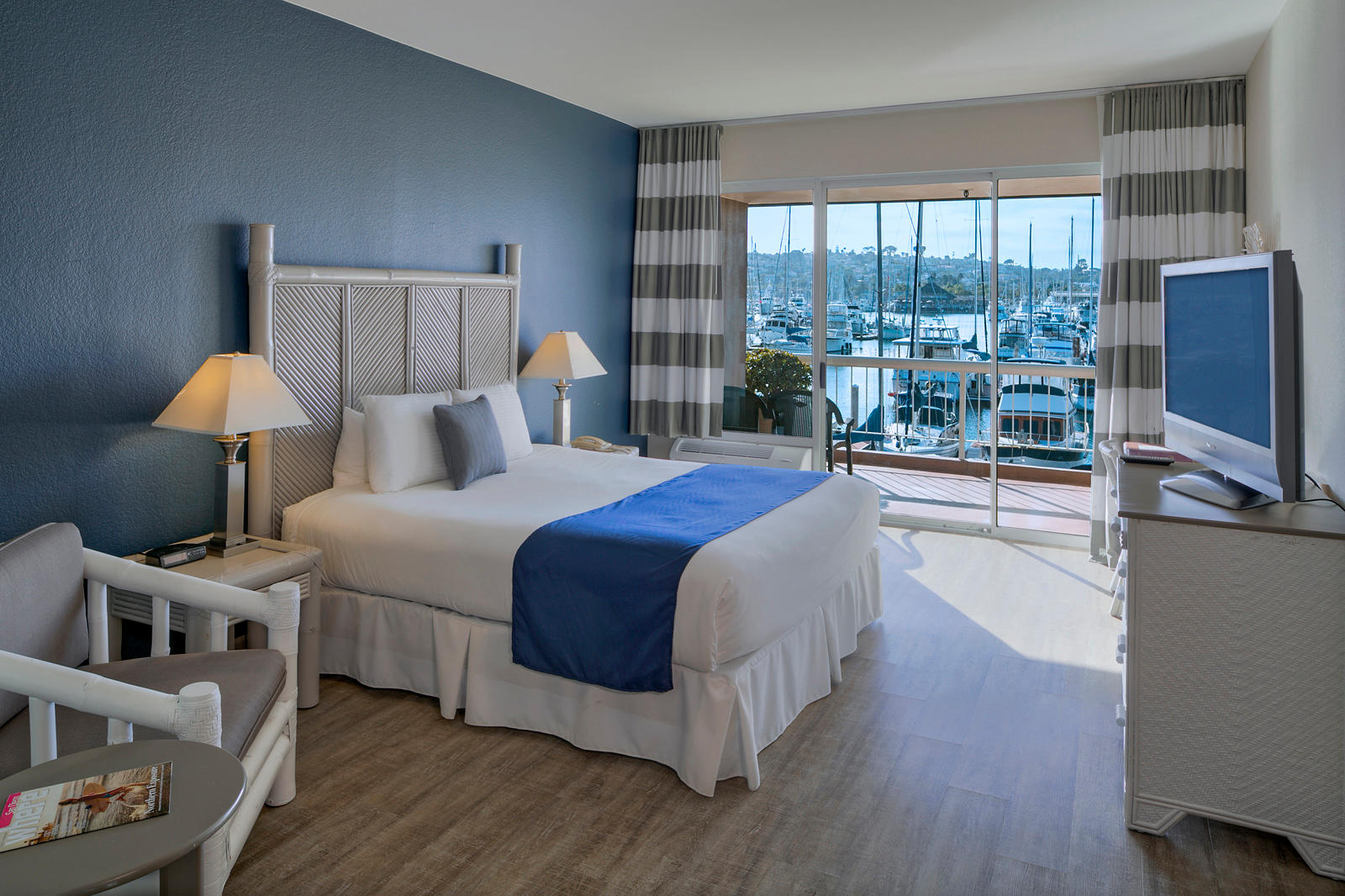 The Bay Club Hotel & Marina image 3