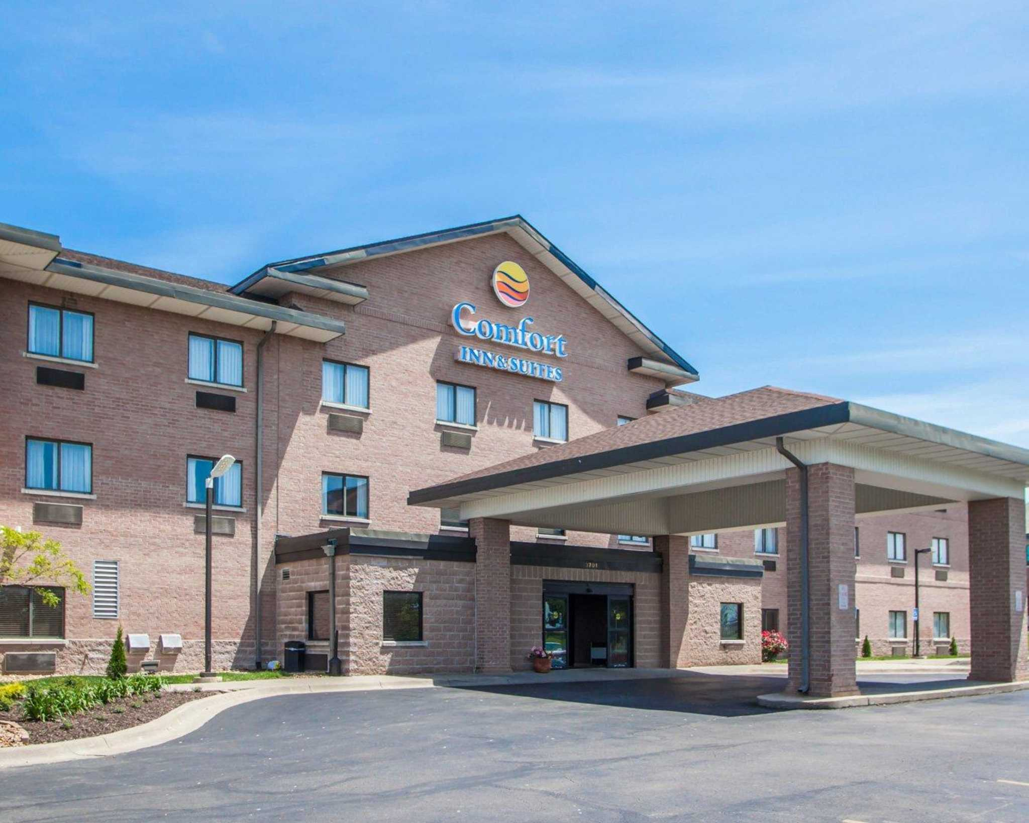 Comfort Inn & Suites Lees Summit -Kansas City image 1