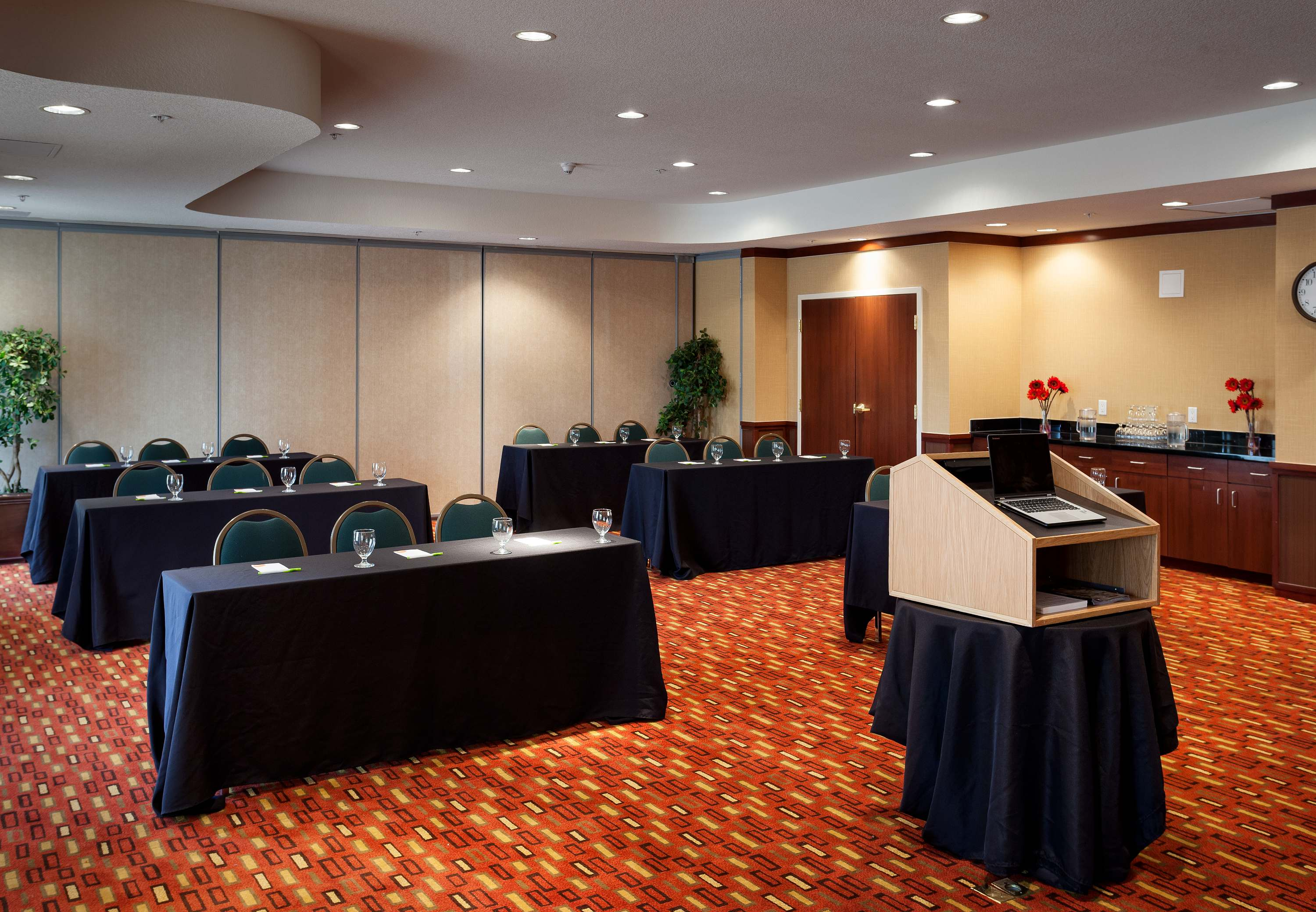 Courtyard by Marriott Ventura Simi Valley image 12