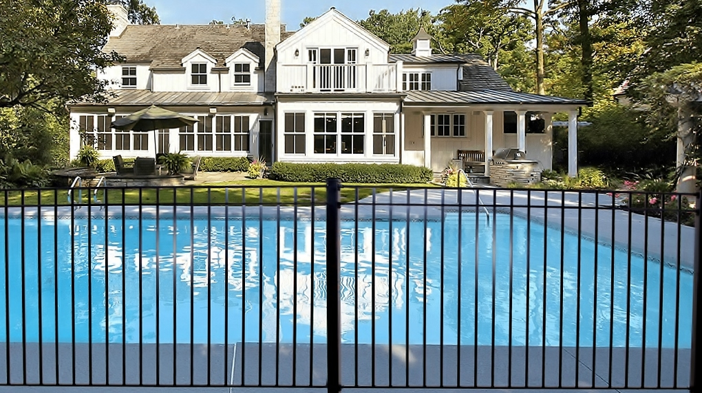 Safeguard Glass and Mesh Pool Fence