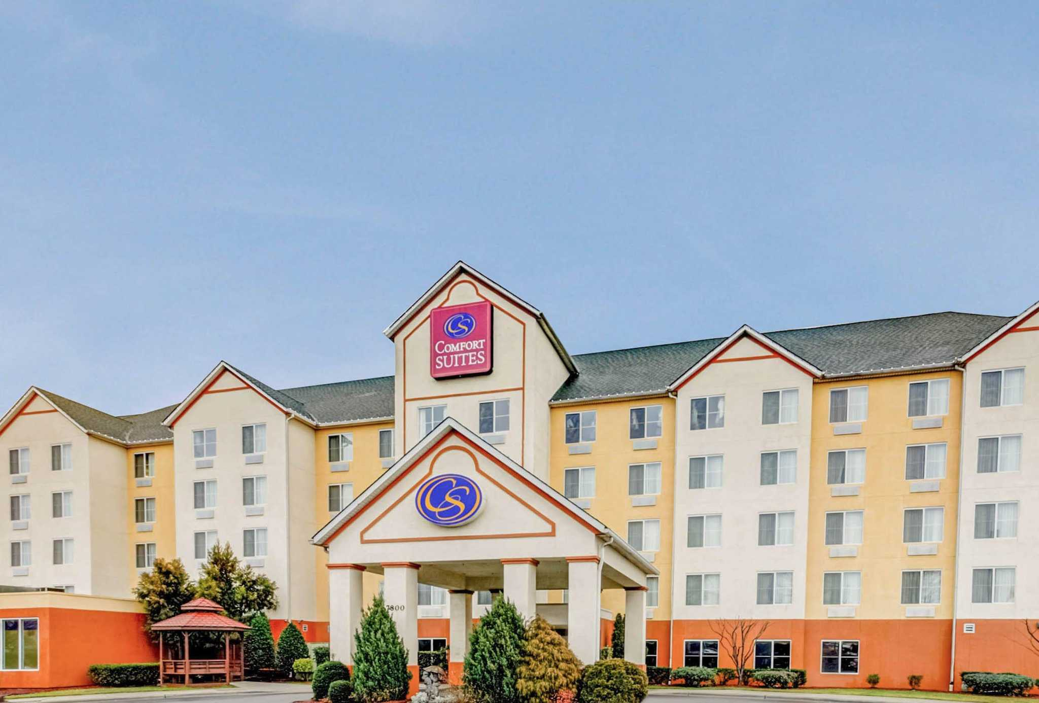 Comfort suites concord mills 7800 gateway lane nw for Hotels in charlotte nc near charlotte motor speedway