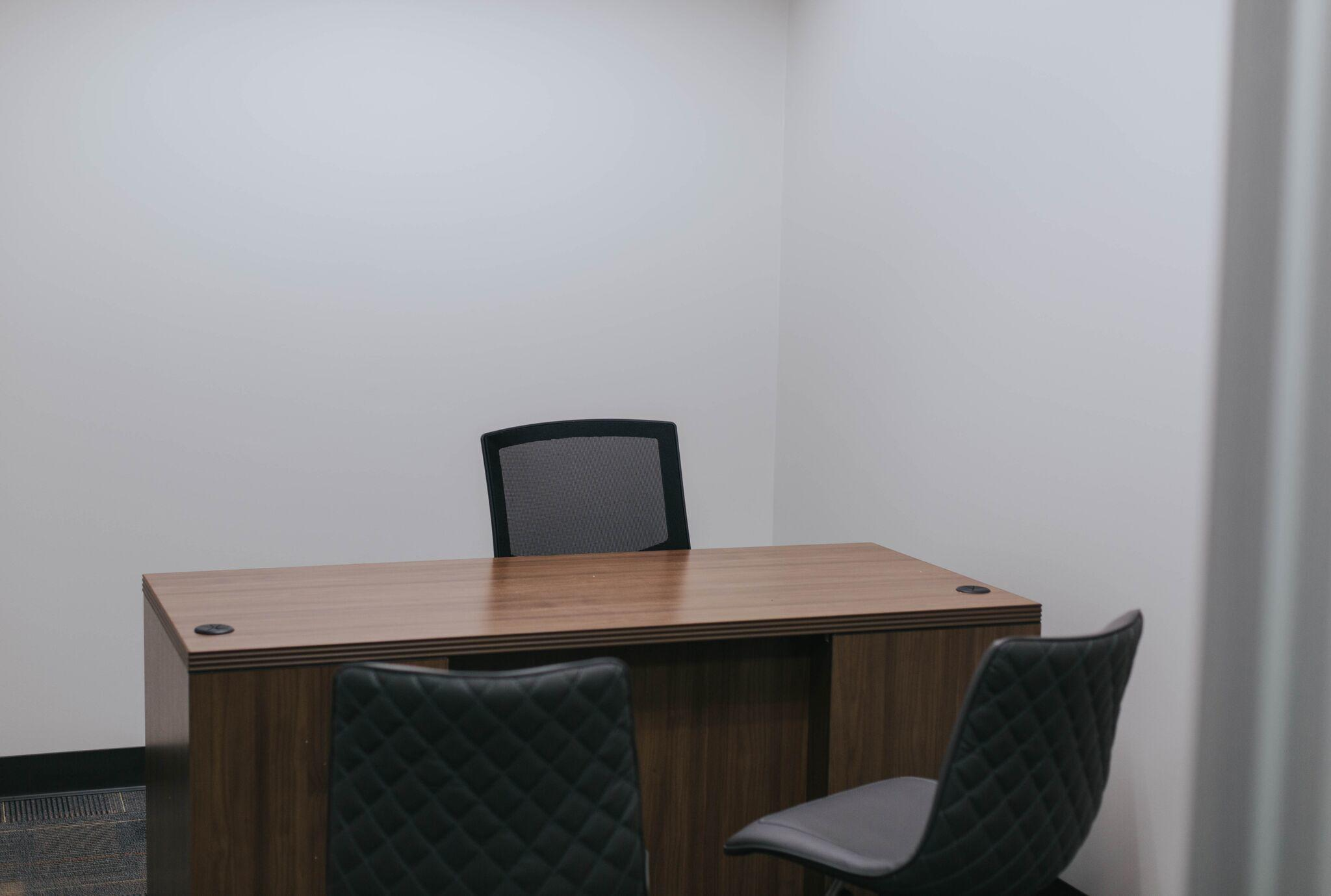 Executive Workspace image 8