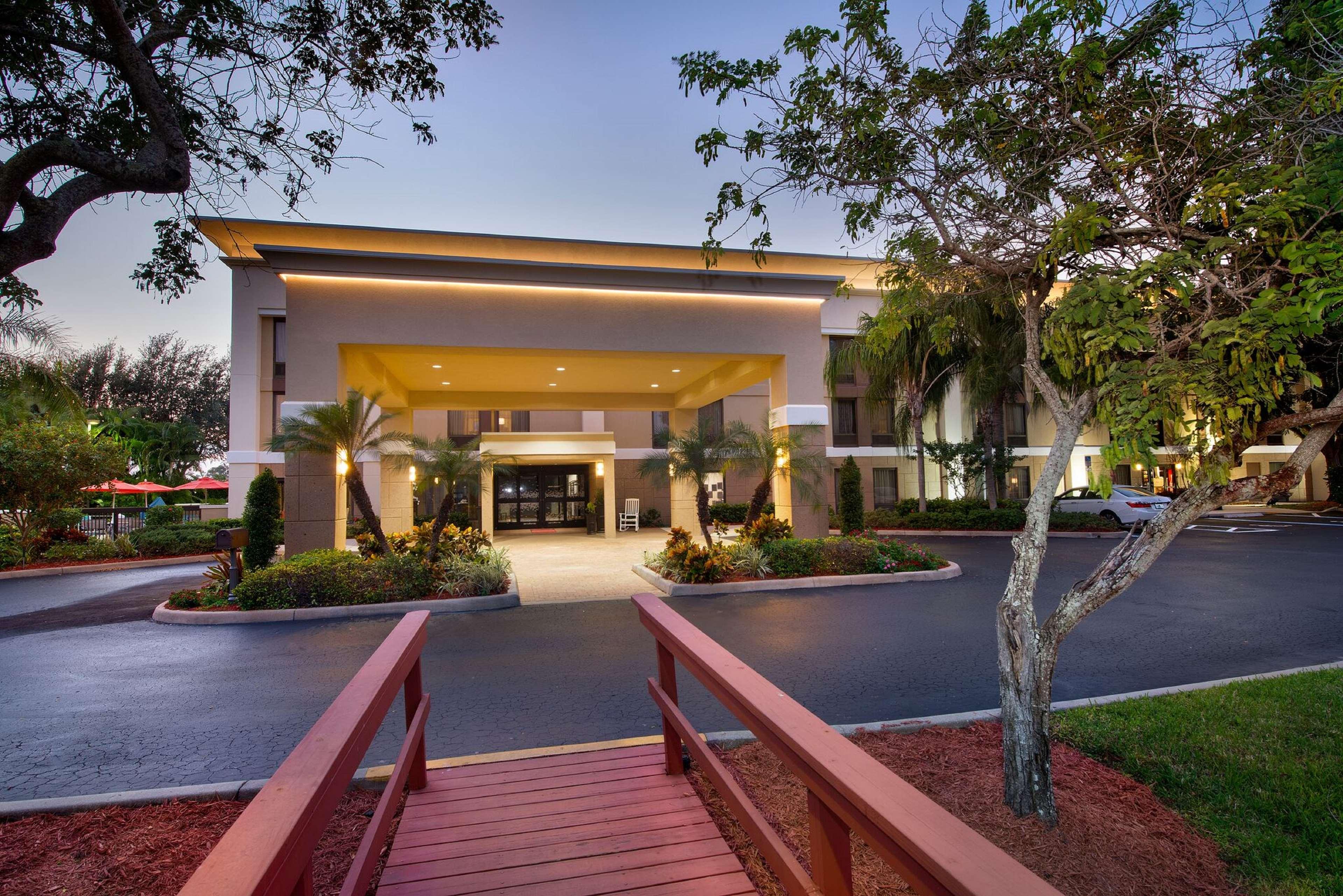 Hampton Inn Naples-I-75 image 1