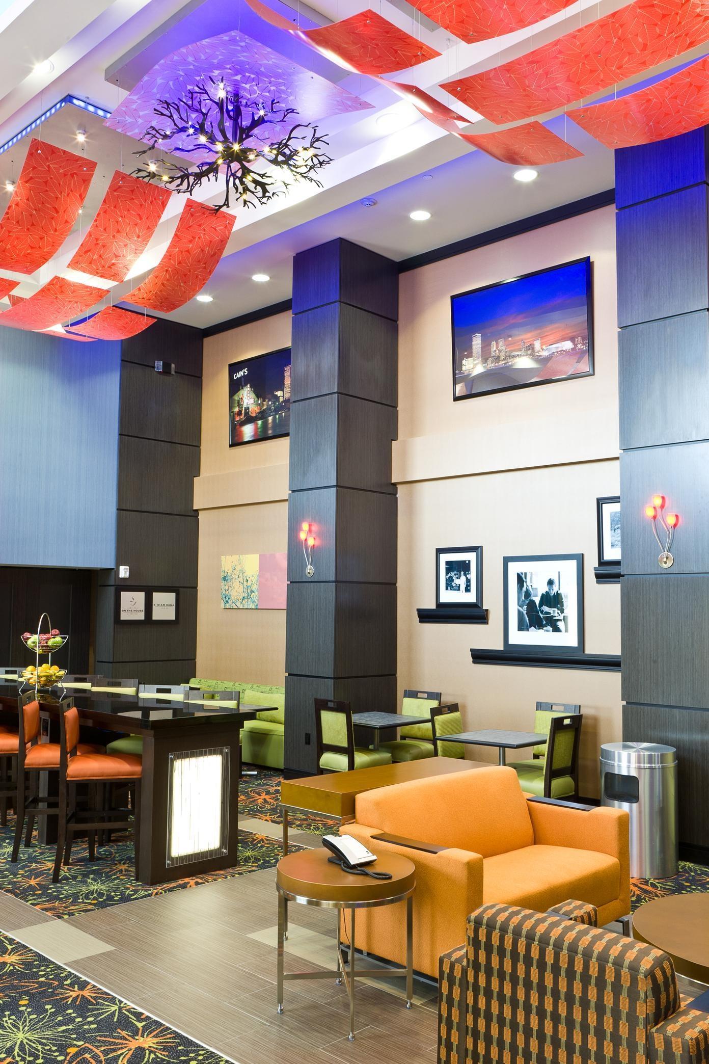 Hampton Inn & Suites Tulsa/Central image 0