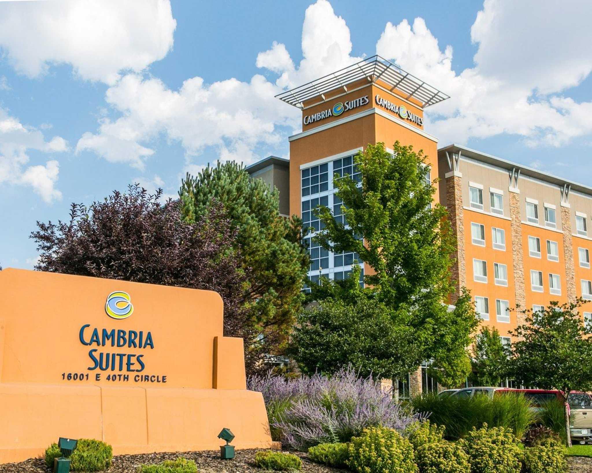 Cambria Hotel Denver International Airport image 2