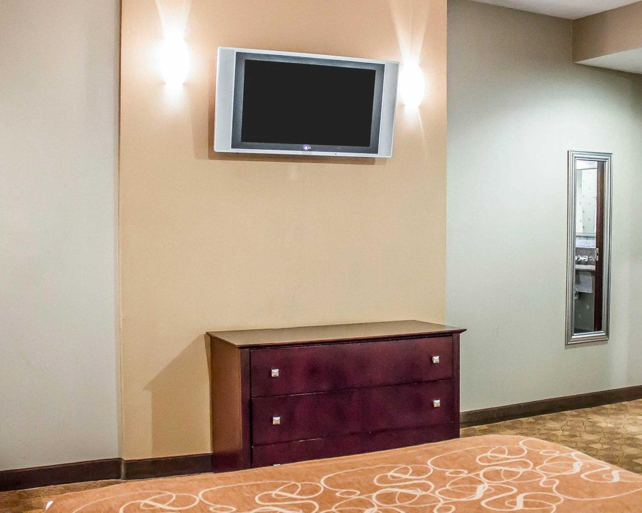 Comfort Suites Perrysburg - Toledo South image 6