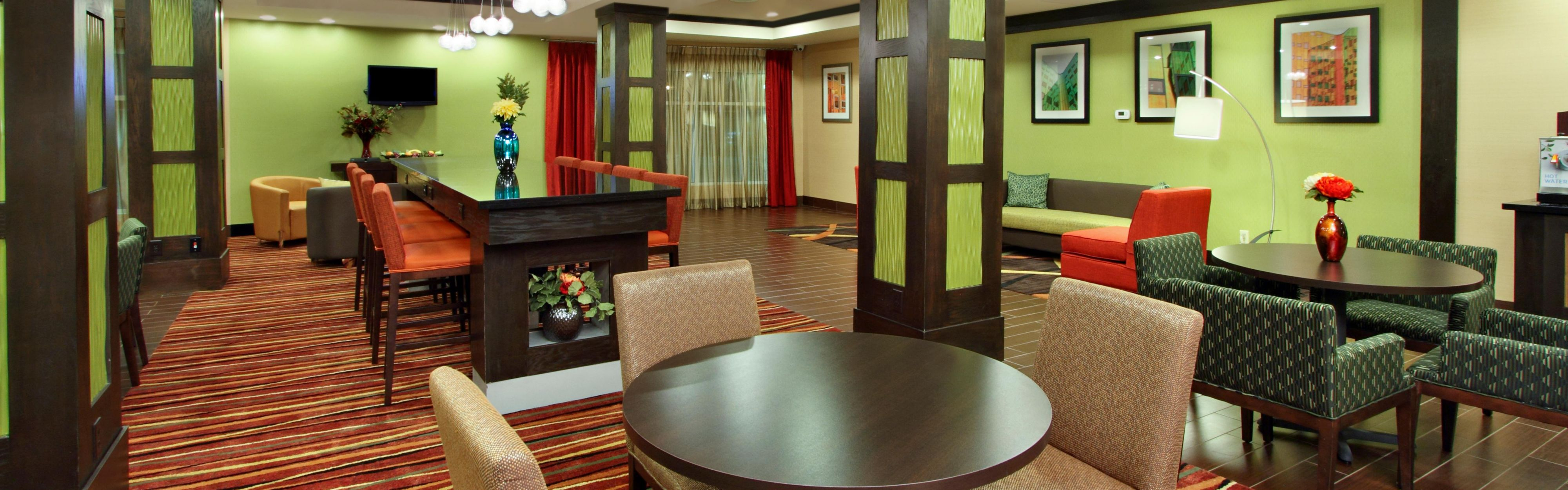 Holiday Inn Express & Suites Houston East - Baytown image 3