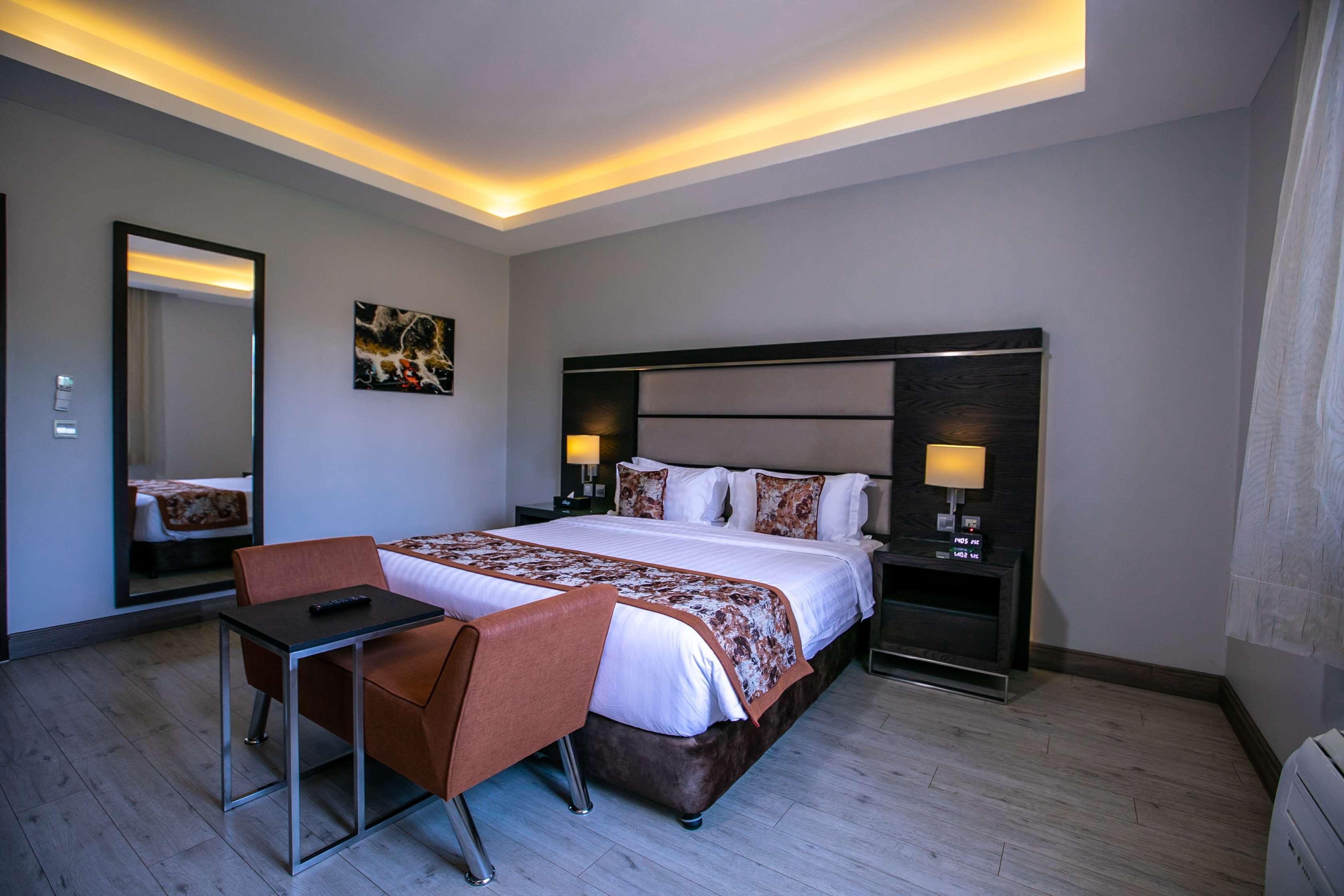Best Western Plus The Athena Hotel