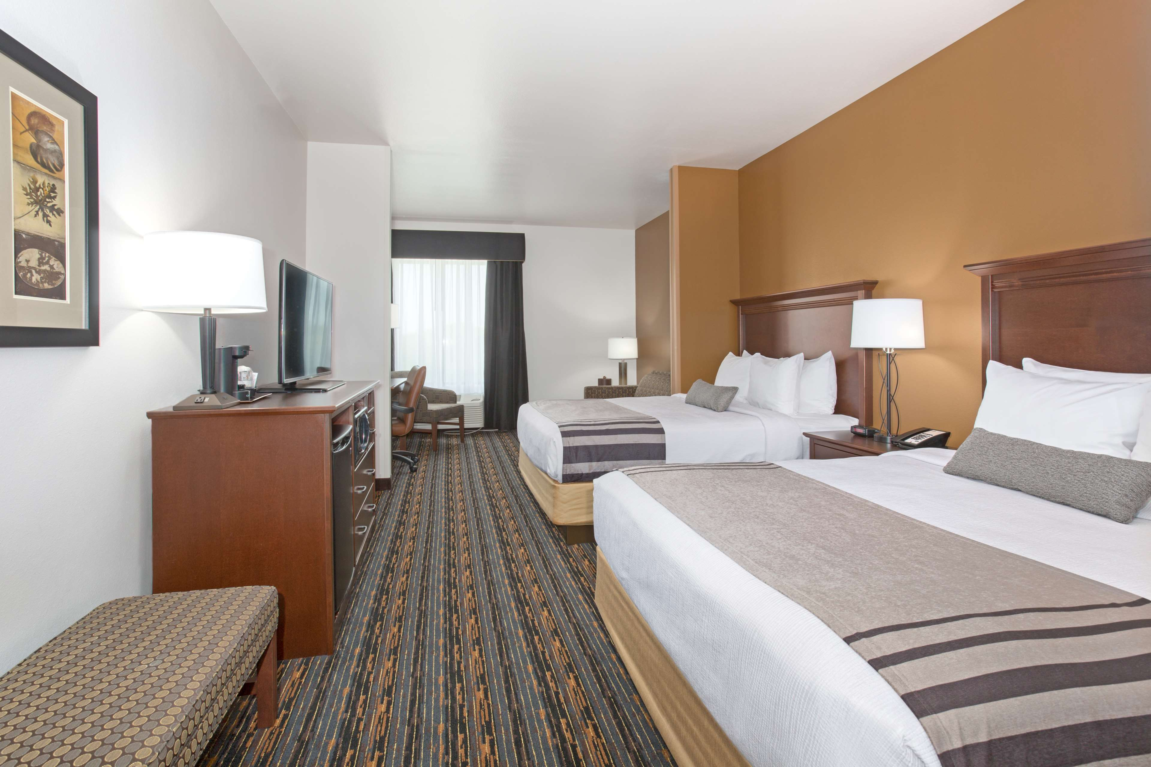 holiday lnkup by suites us ne lincoln hotel hoteldetail extended hotels express and inn holidayinnexpress ihg airport stay en