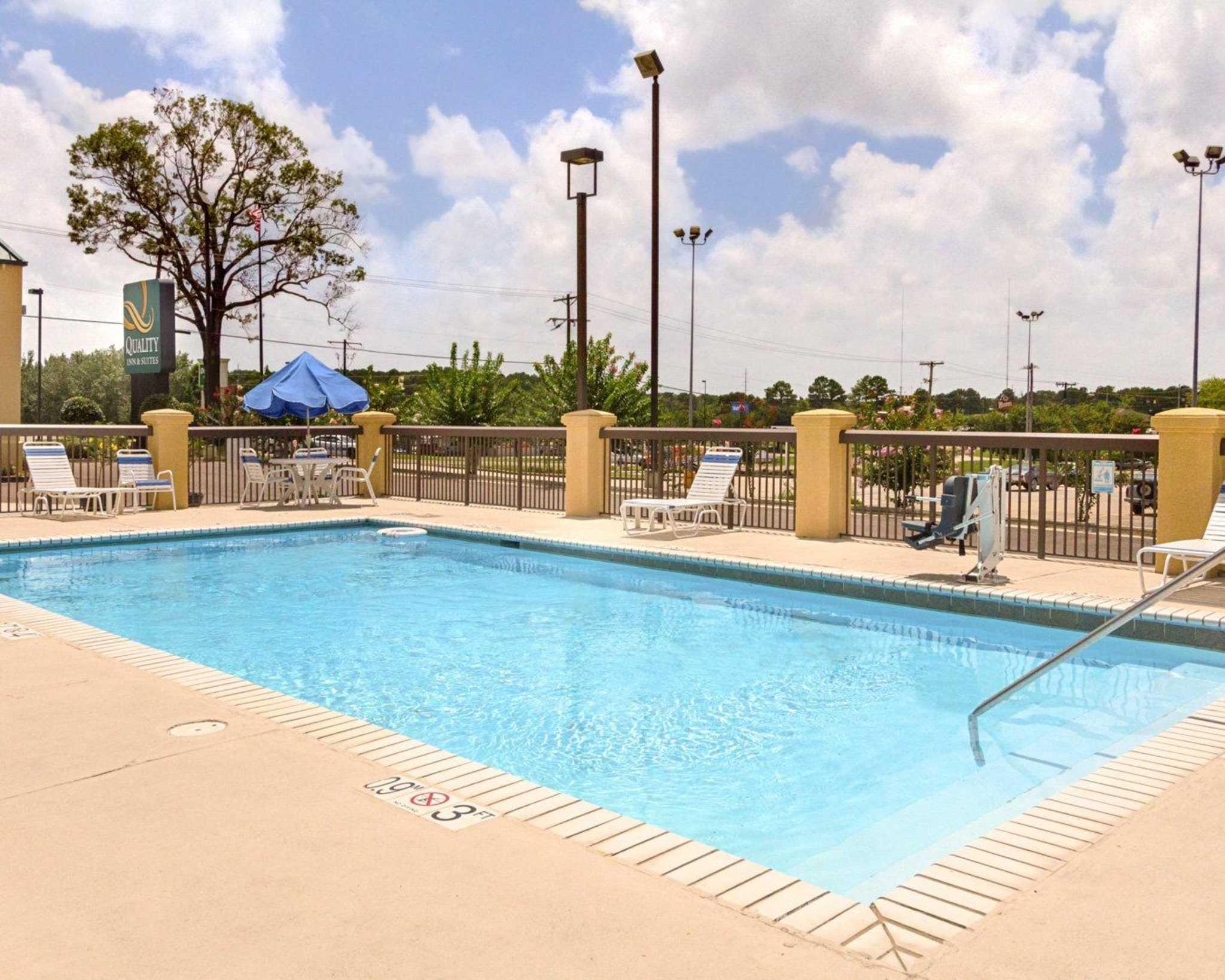Quality Inn & Suites Southwest image 17