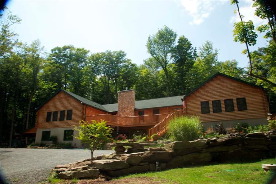 Little Creek Lodge image 3