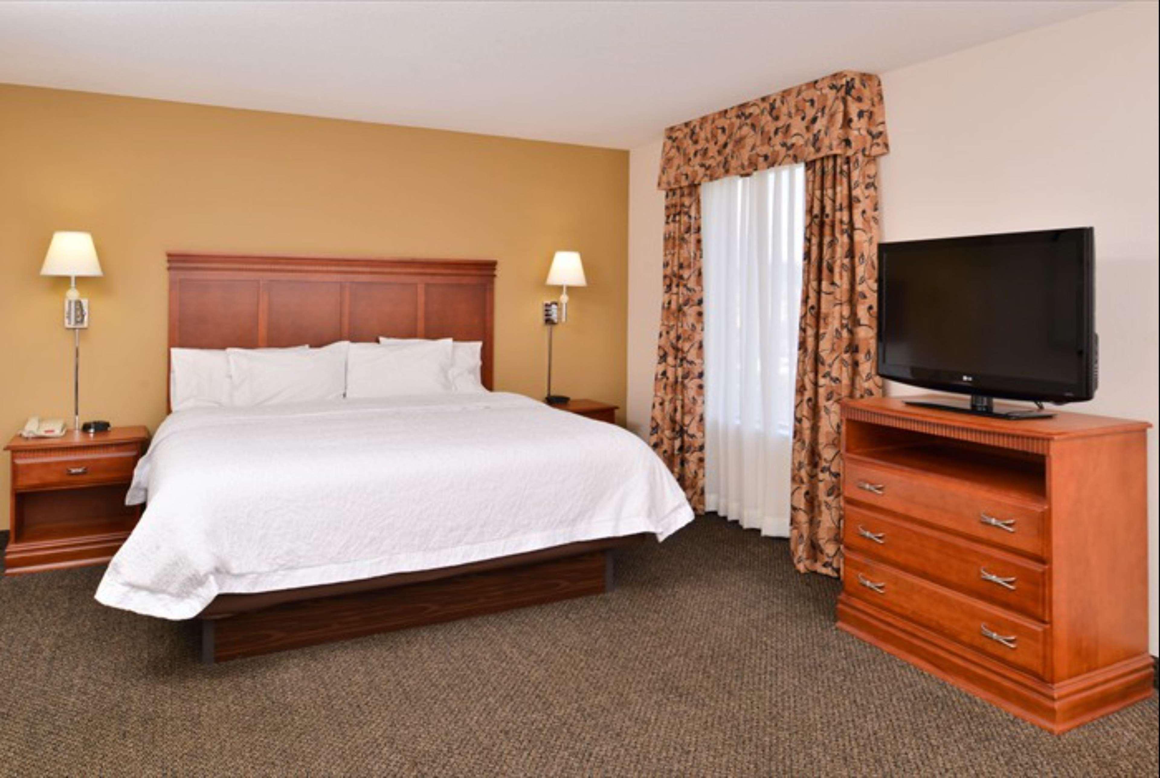 Hampton Inn & Suites Richmond image 45