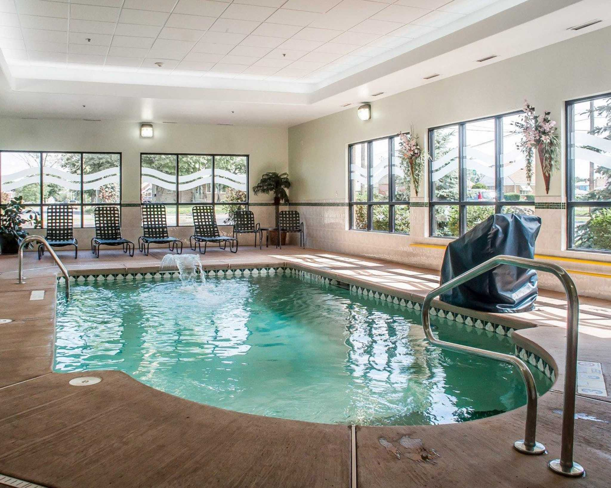 Comfort Inn Near Walden Galleria Mall image 18