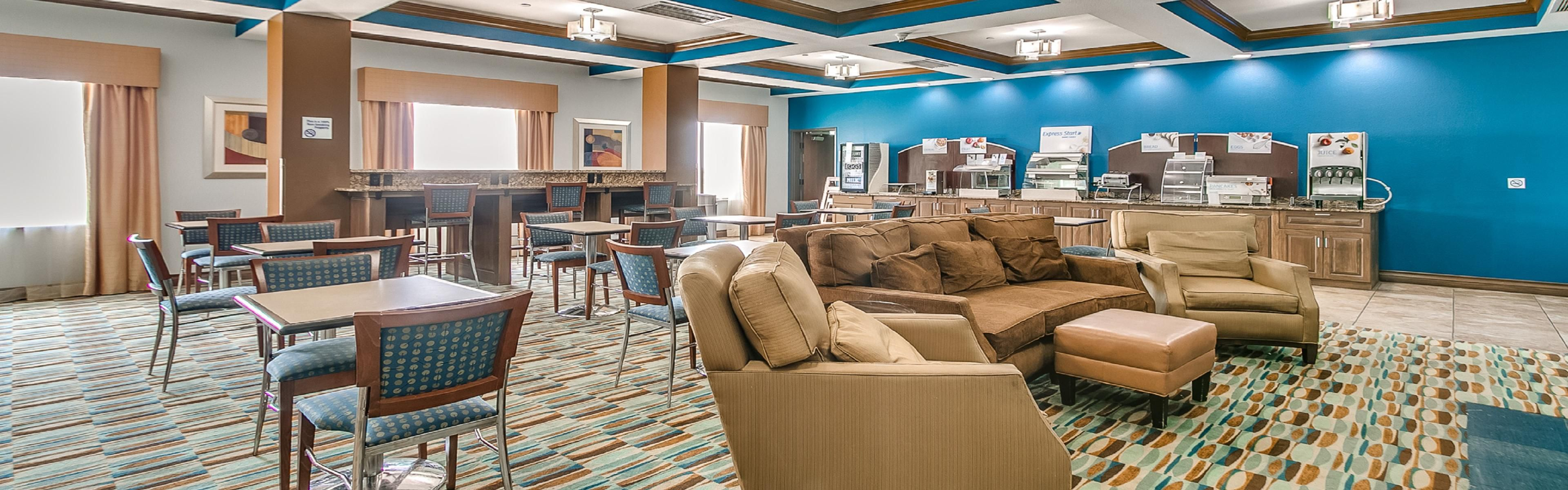 Holiday Inn Express & Suites Lubbock Southwest - Wolfforth image 3
