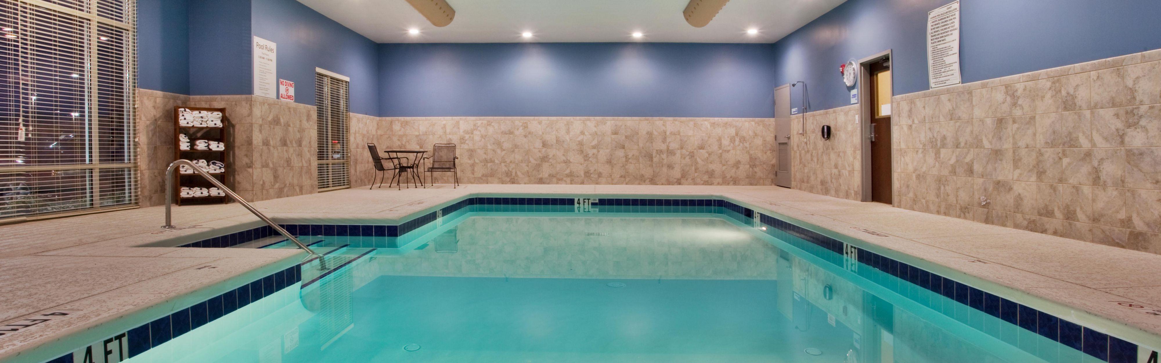 Holiday Inn Express & Suites Atlanta Arpt West - Camp Creek image 2