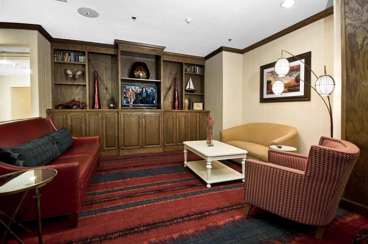 Hampton Inn & Suites Raleigh/Cary I-40 (PNC Arena) image 4