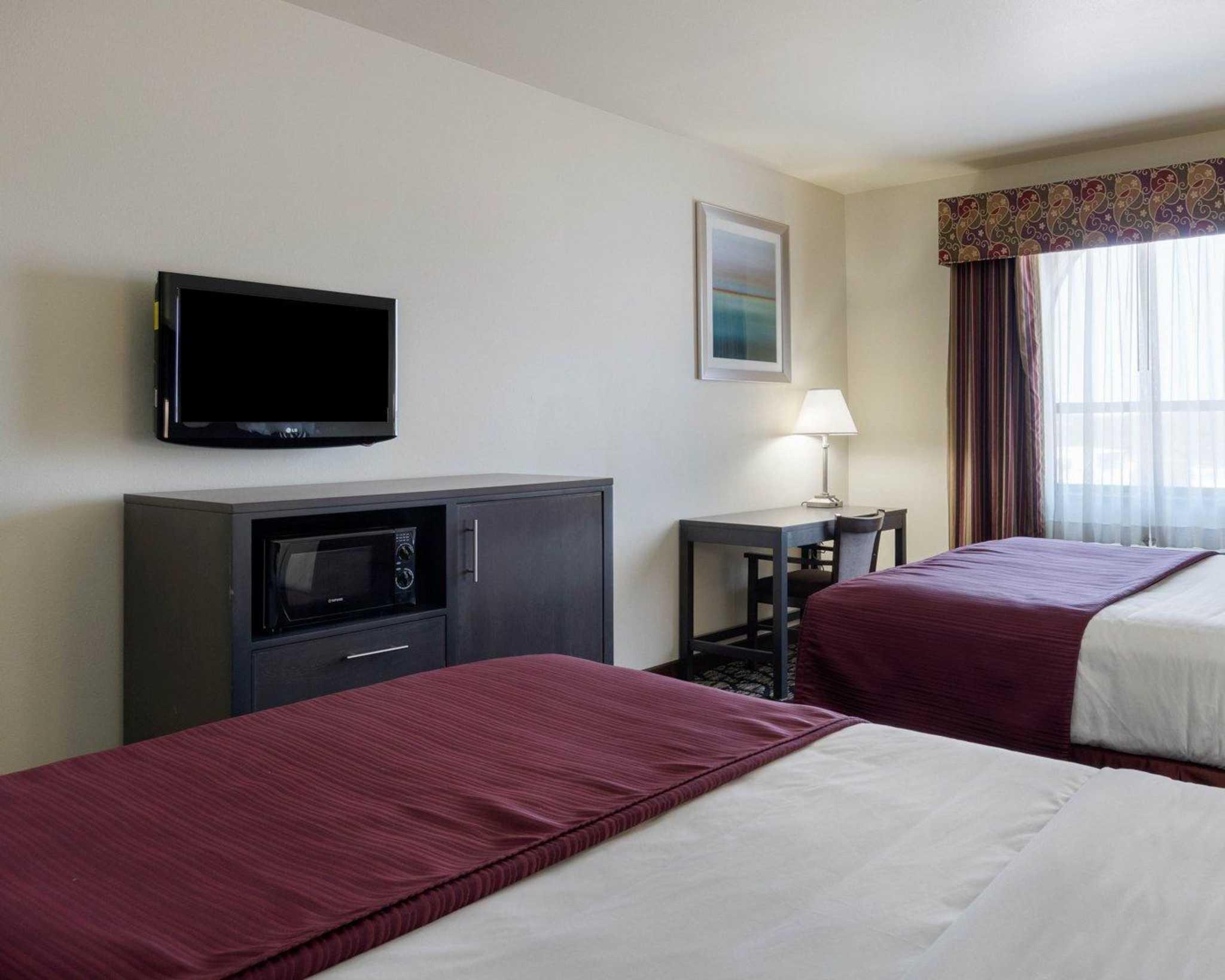 Quality Inn image 7