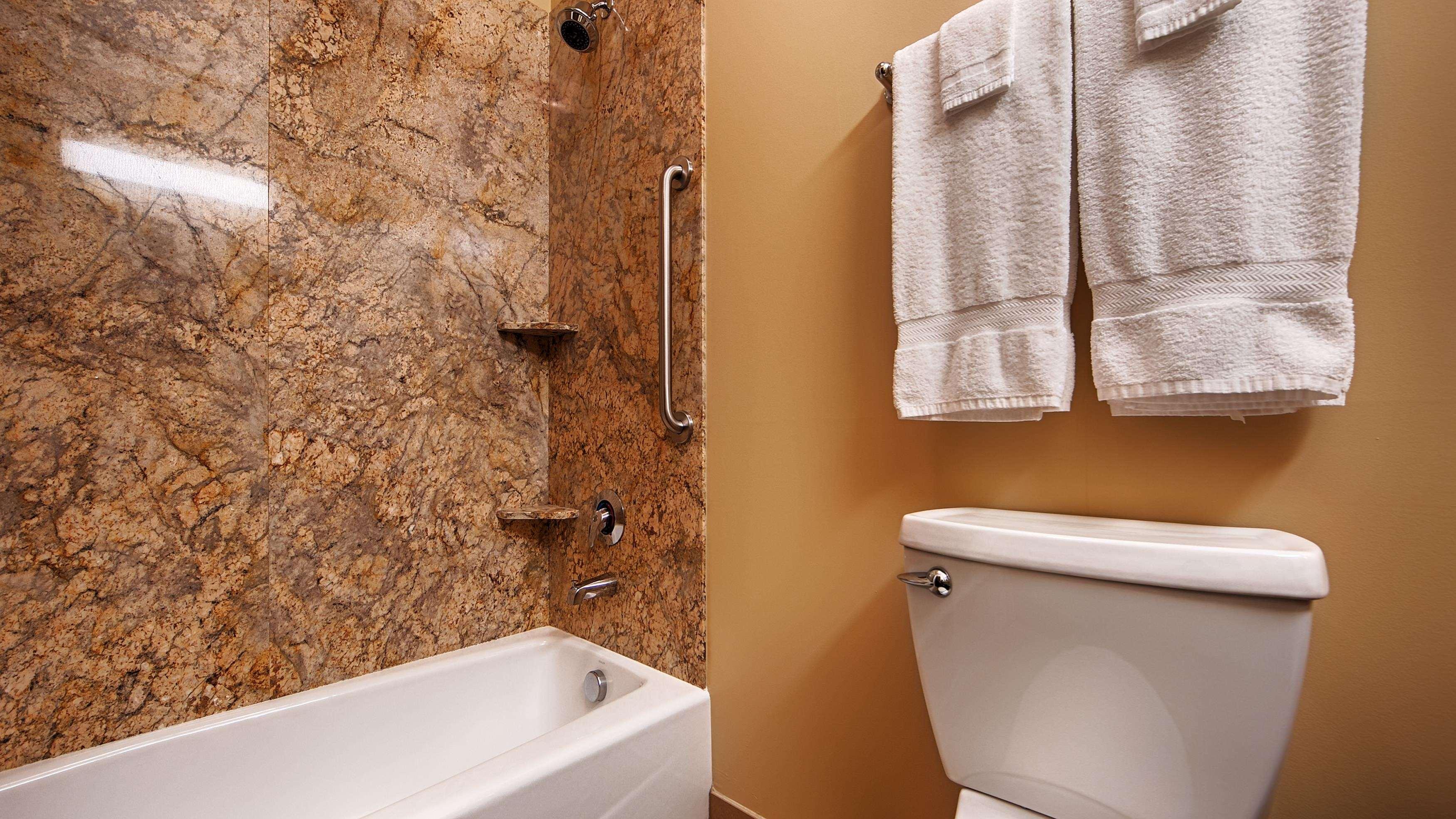 Best Western Plus Lacey Inn & Suites image 24