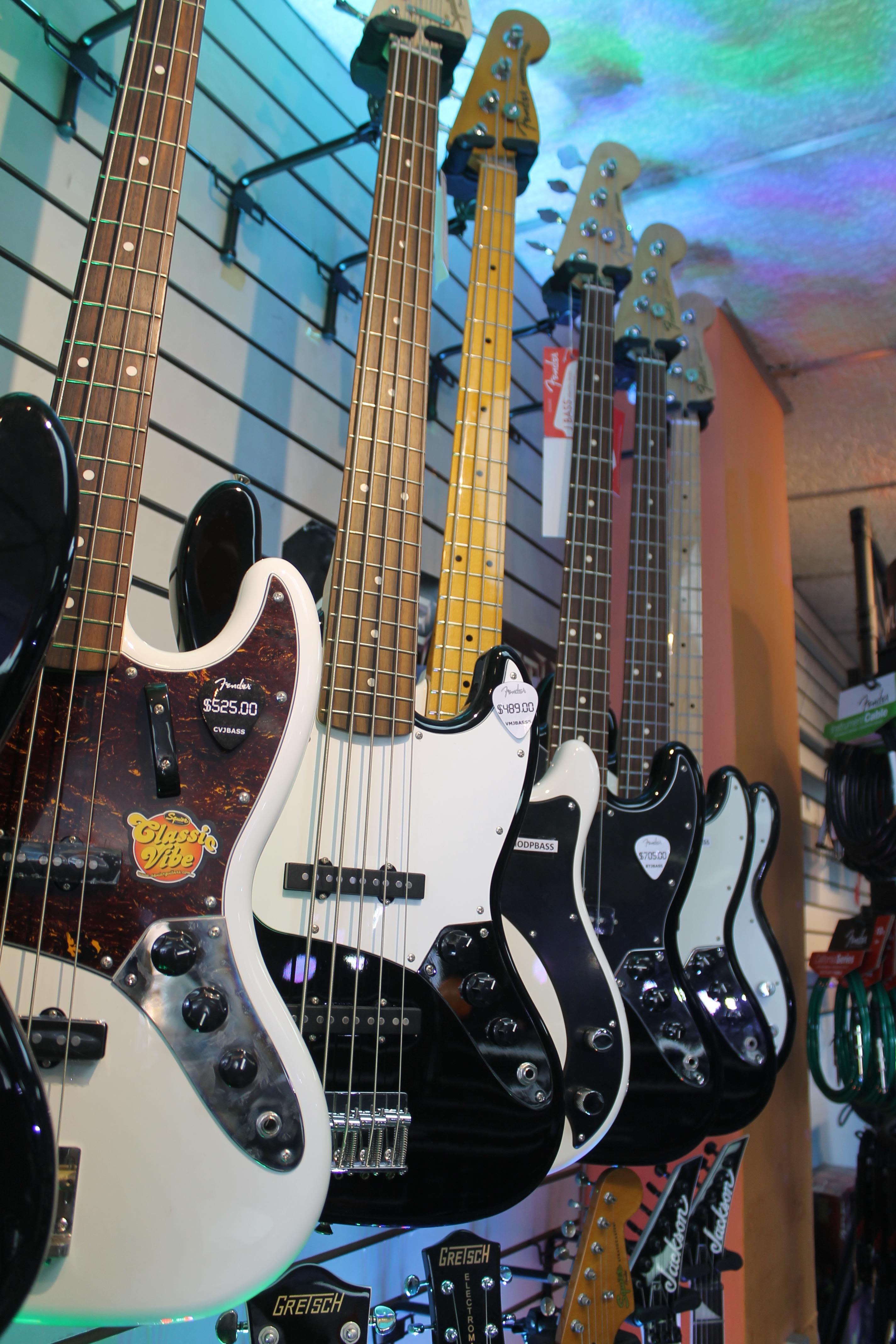 Destacados en Venta de Guitarras Acústicas y Eléctricas