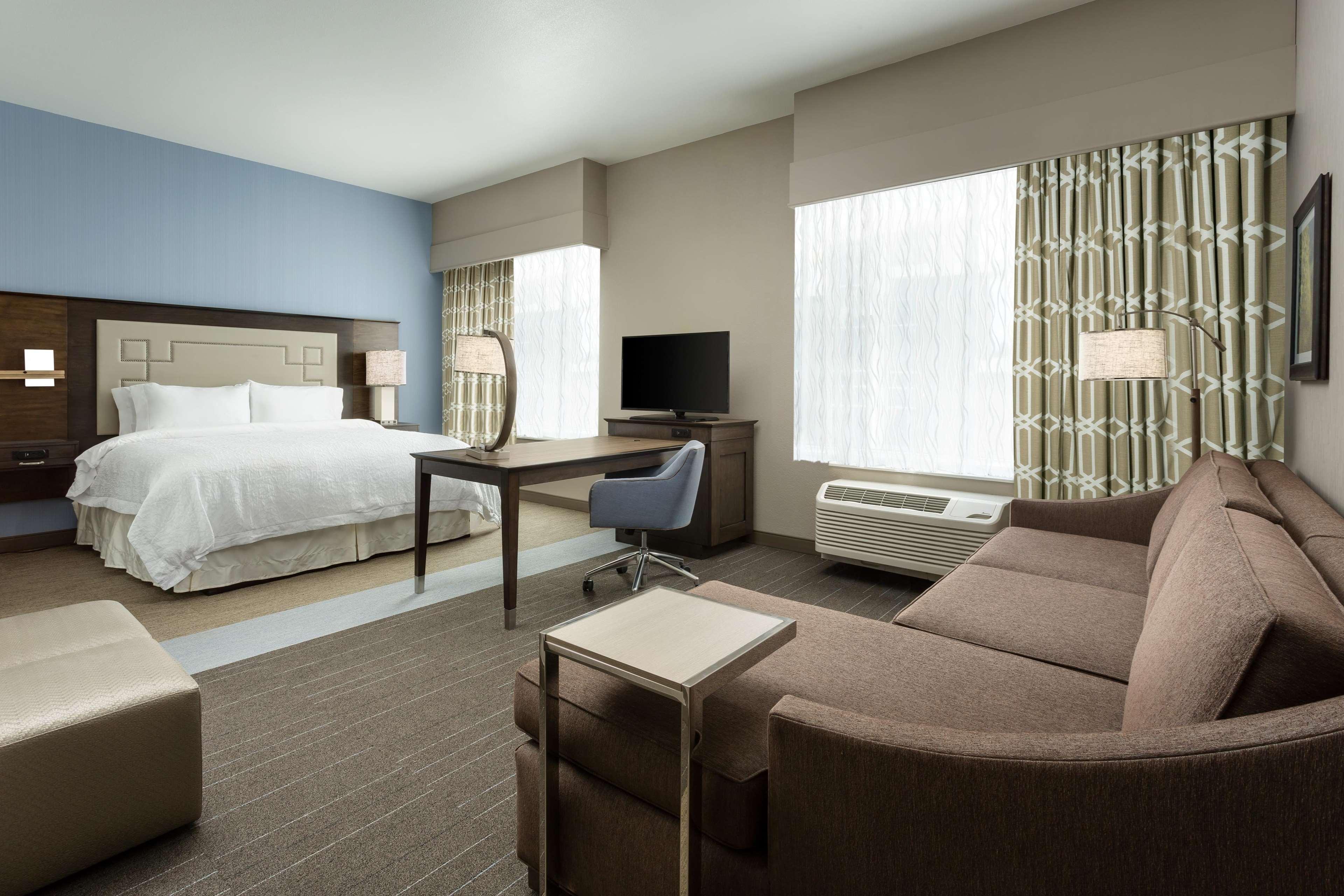 Hampton Inn & Suites Napa image 4