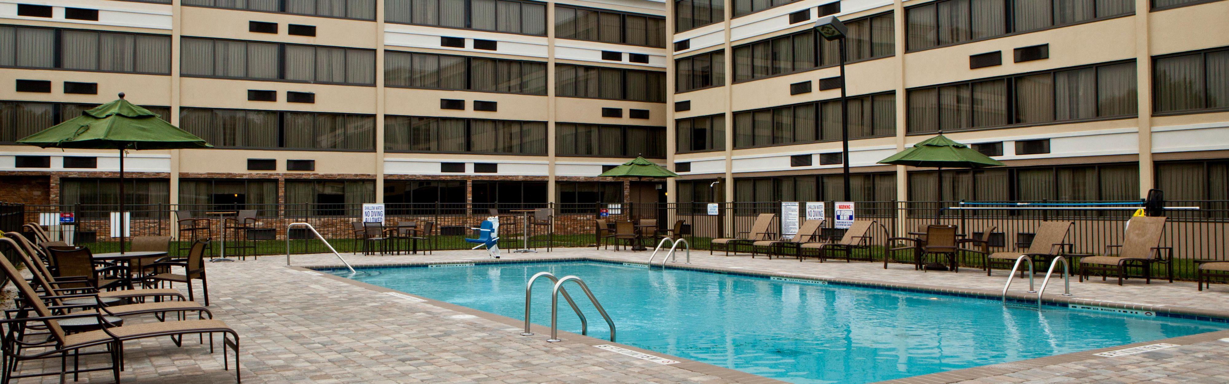 Holiday Inn Greensboro Airport image 2