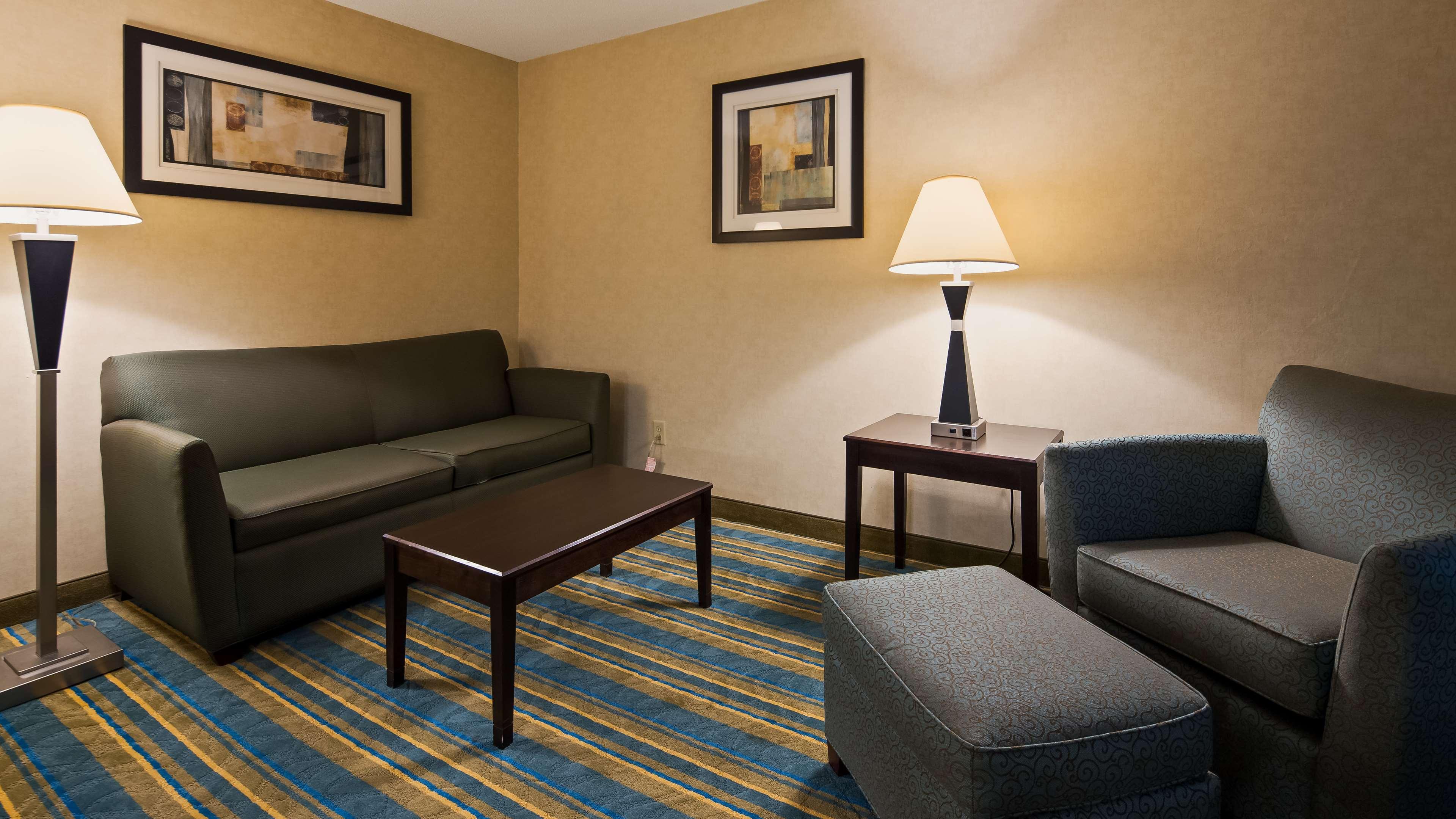 Best Western Plus Berkshire Hills Inn & Suites image 11