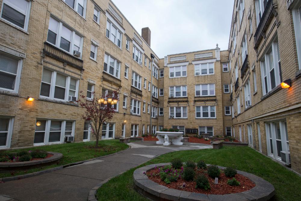 Pangea Hyde Park Apartments Chicago Il