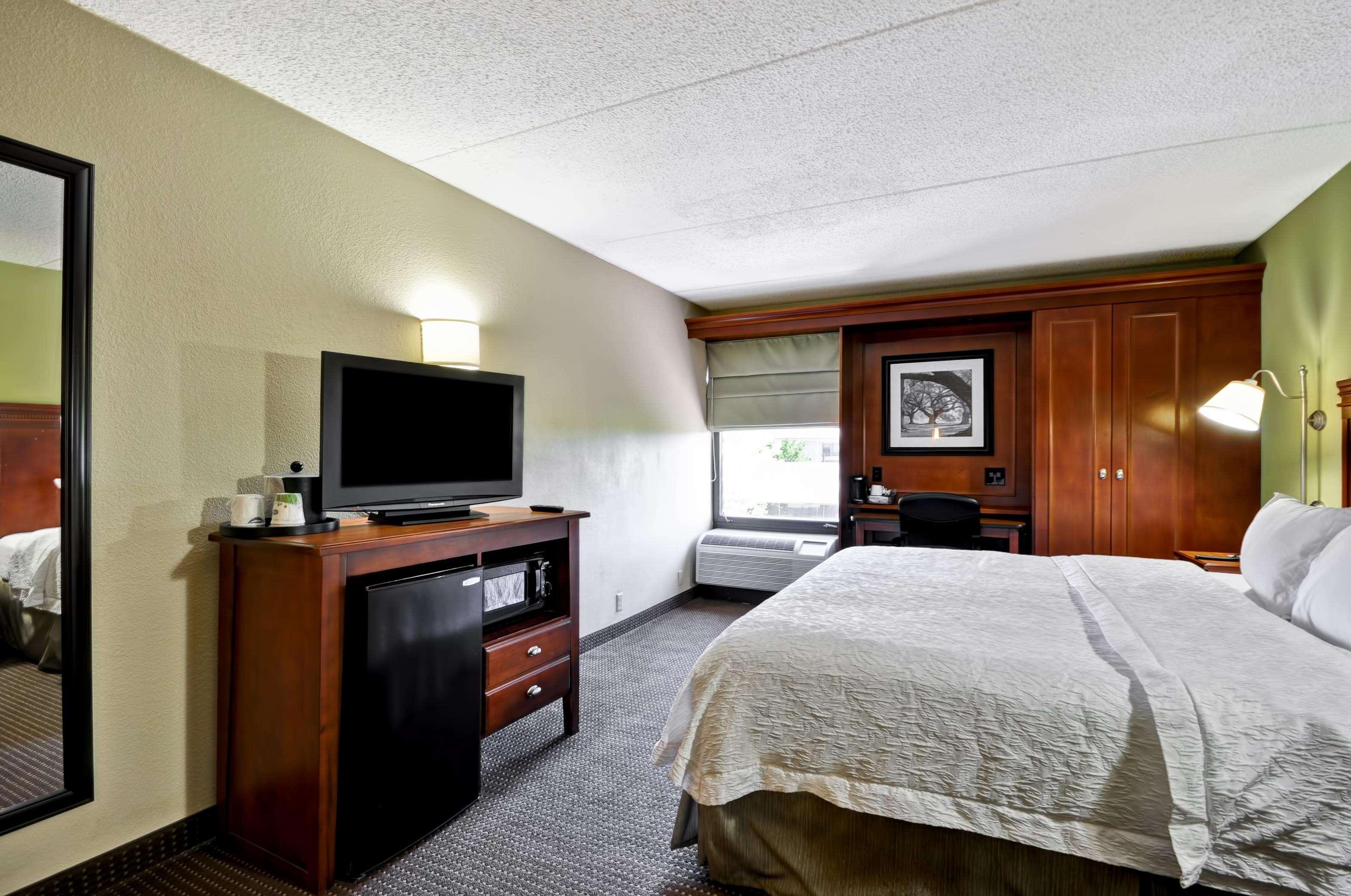 Hampton Inn St. Louis/Westport image 19