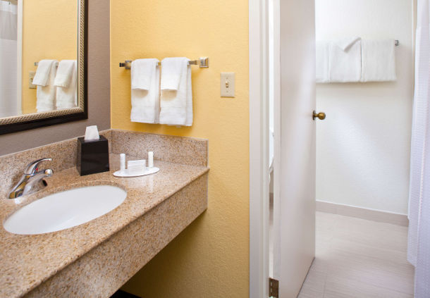 Courtyard by Marriott Miami Airport West/Doral image 7