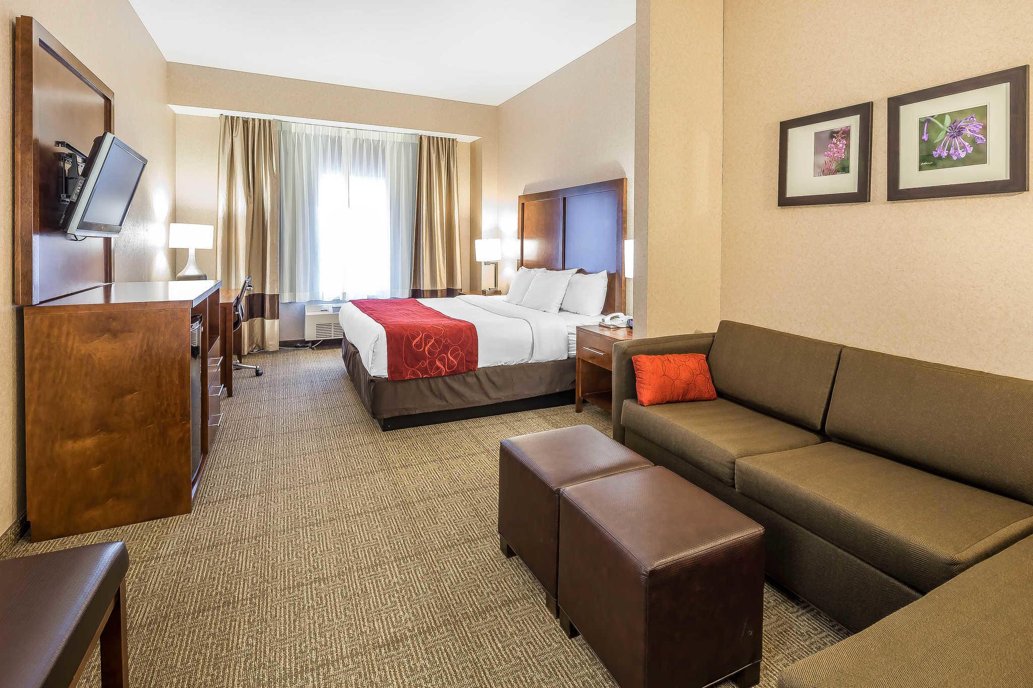 Comfort Suites Anchorage International Airport image 27