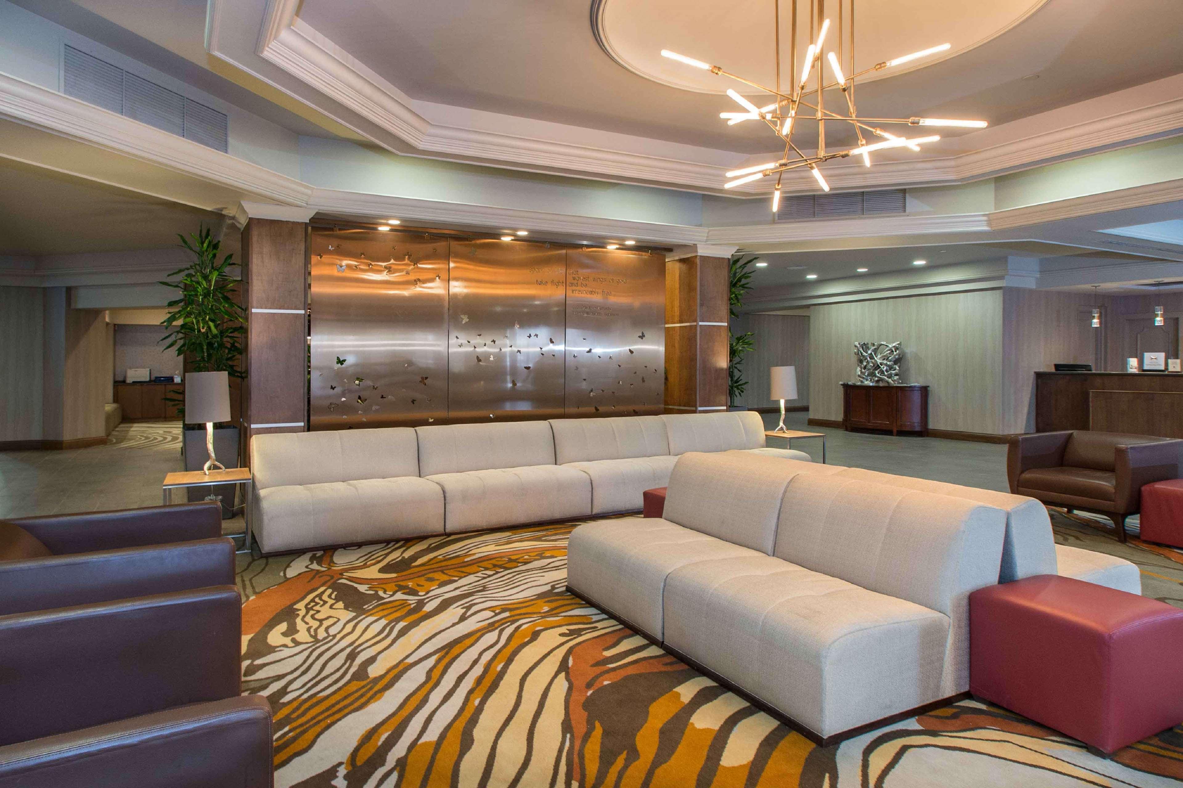DoubleTree by Hilton Hotel Cleveland East Beachwood image 2