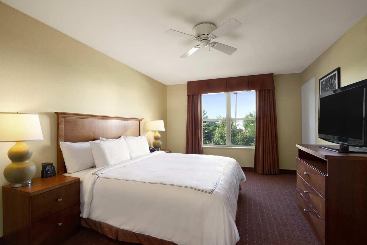 Homewood Suites by Hilton Dulles-North/Loudoun image 10