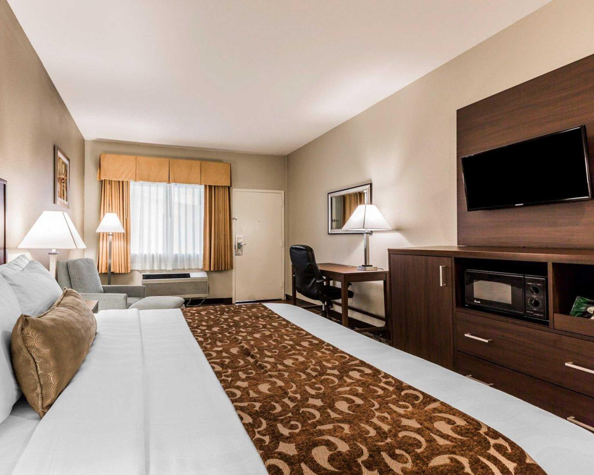 Comfort Inn & Suites Orange County John Wayne Airport image 10