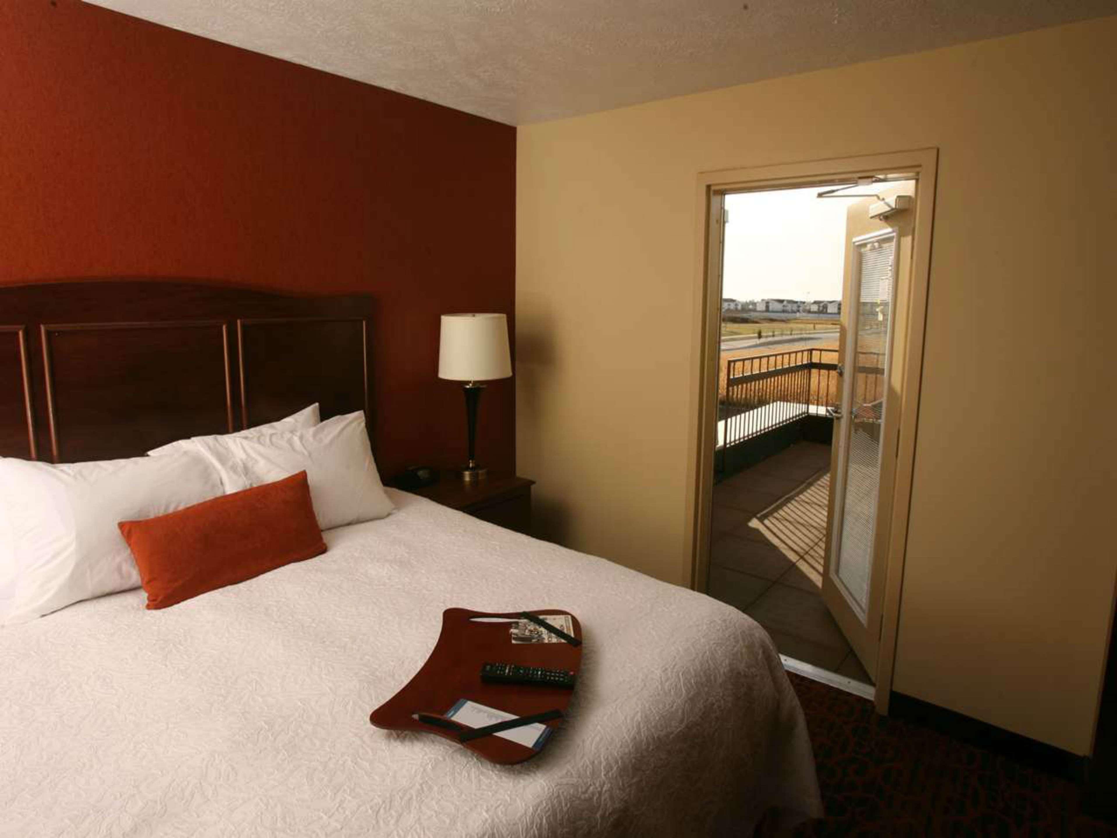 Hampton Inn & Suites Fargo image 25