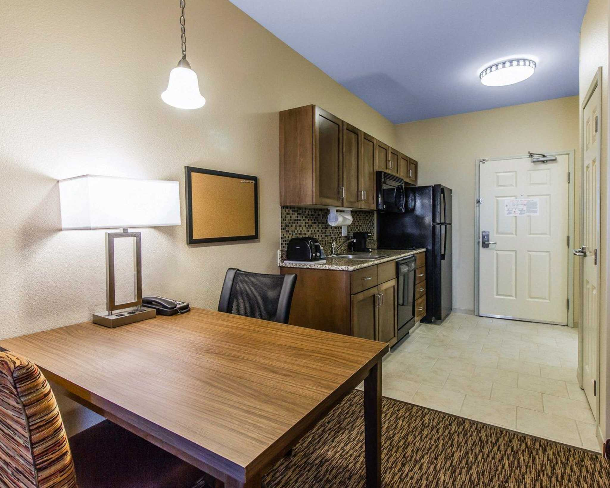 MainStay Suites Event Center image 14