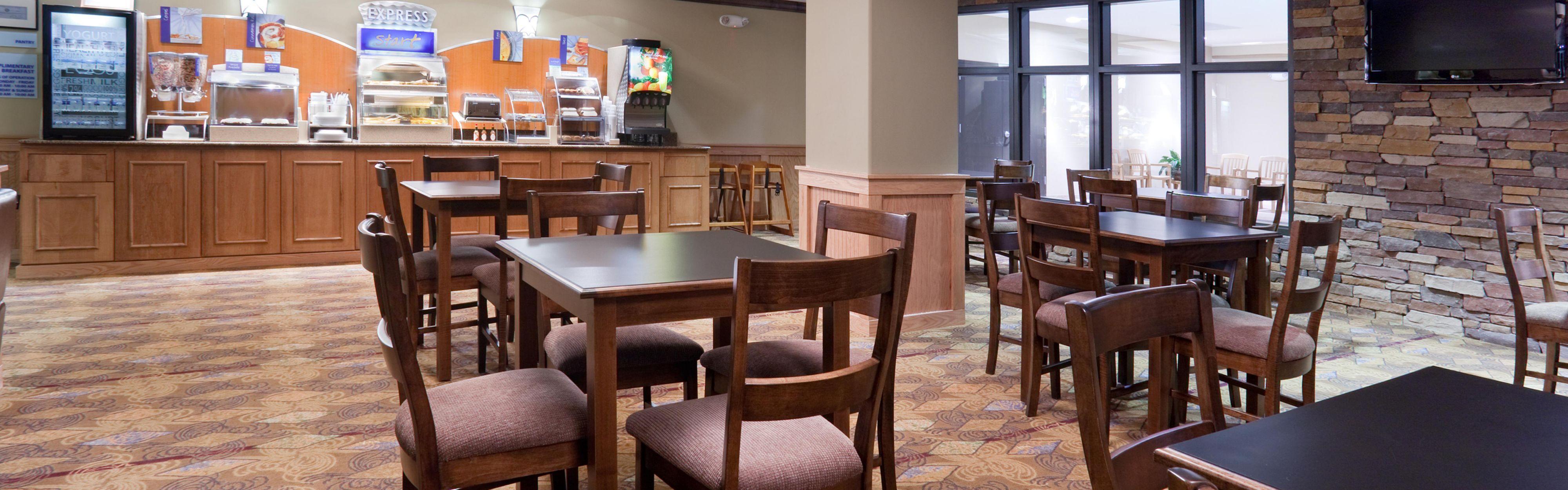 Holiday Inn Express & Suites Lander image 3