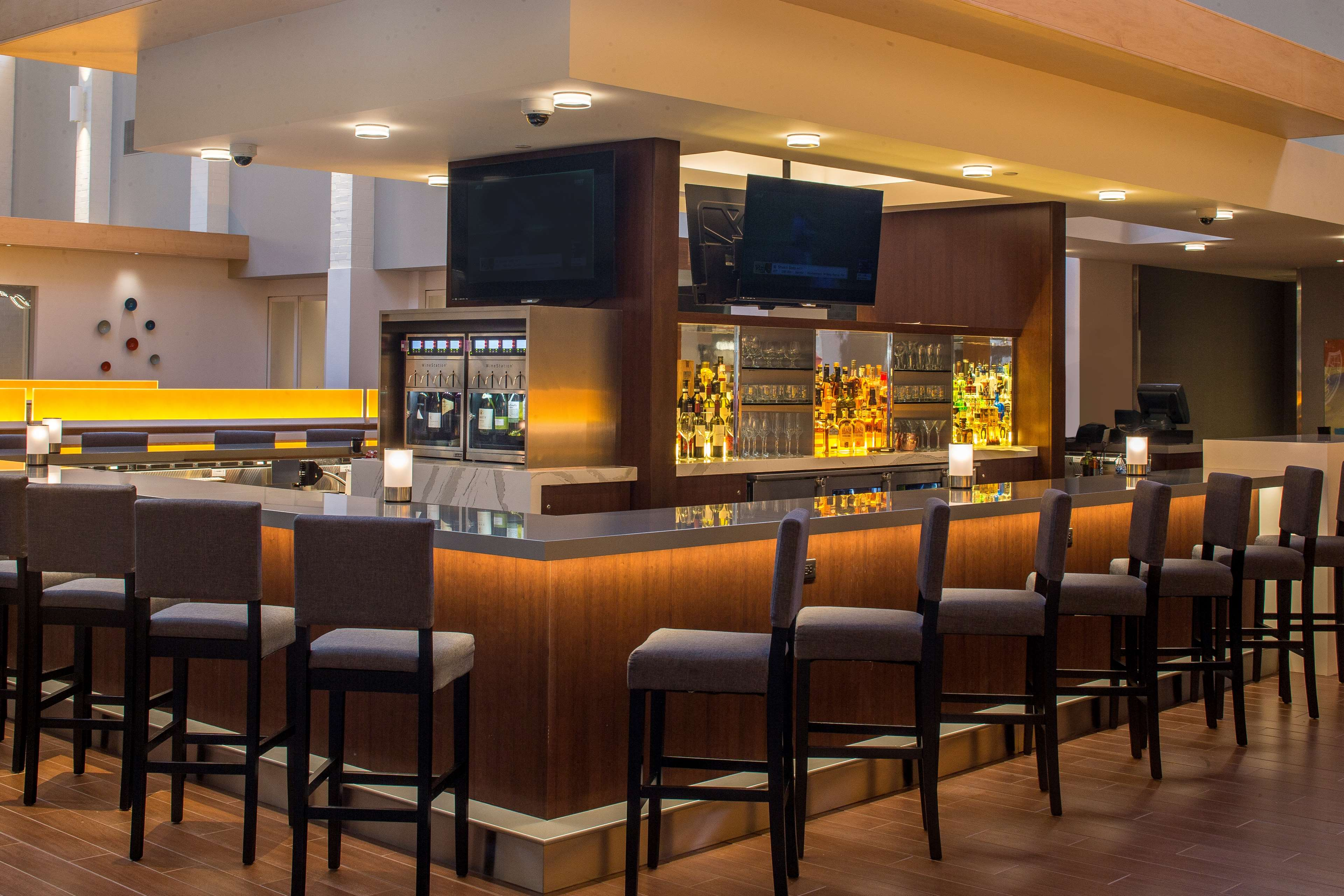 DoubleTree by Hilton Hotel Pittsburgh - Cranberry image 44