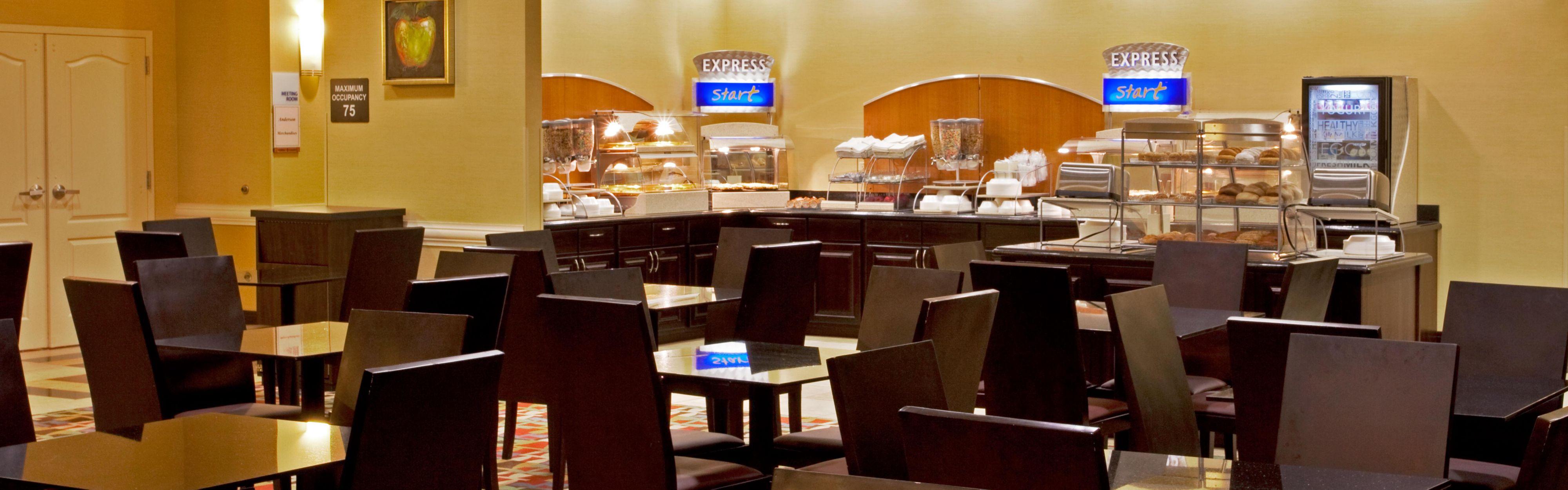 Holiday Inn Express & Suites Orlando - International Drive image 3