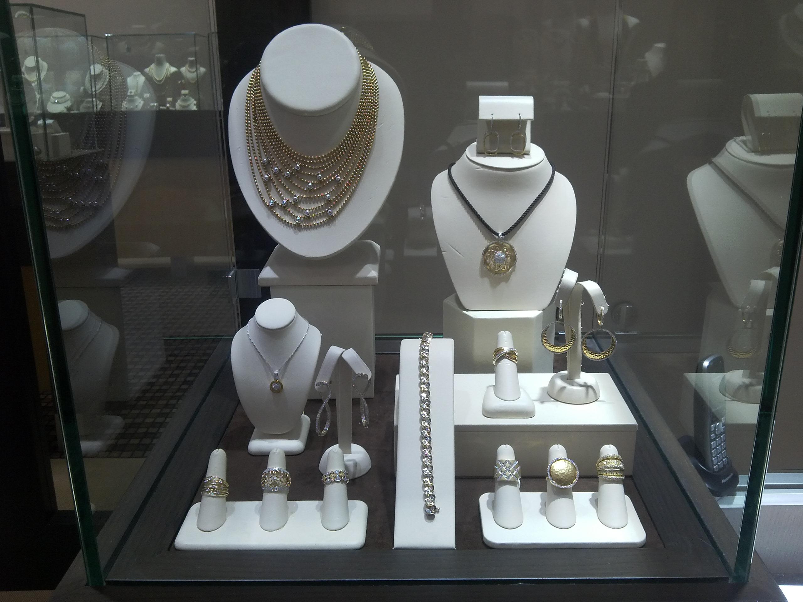 Snow's Jewelers image 6