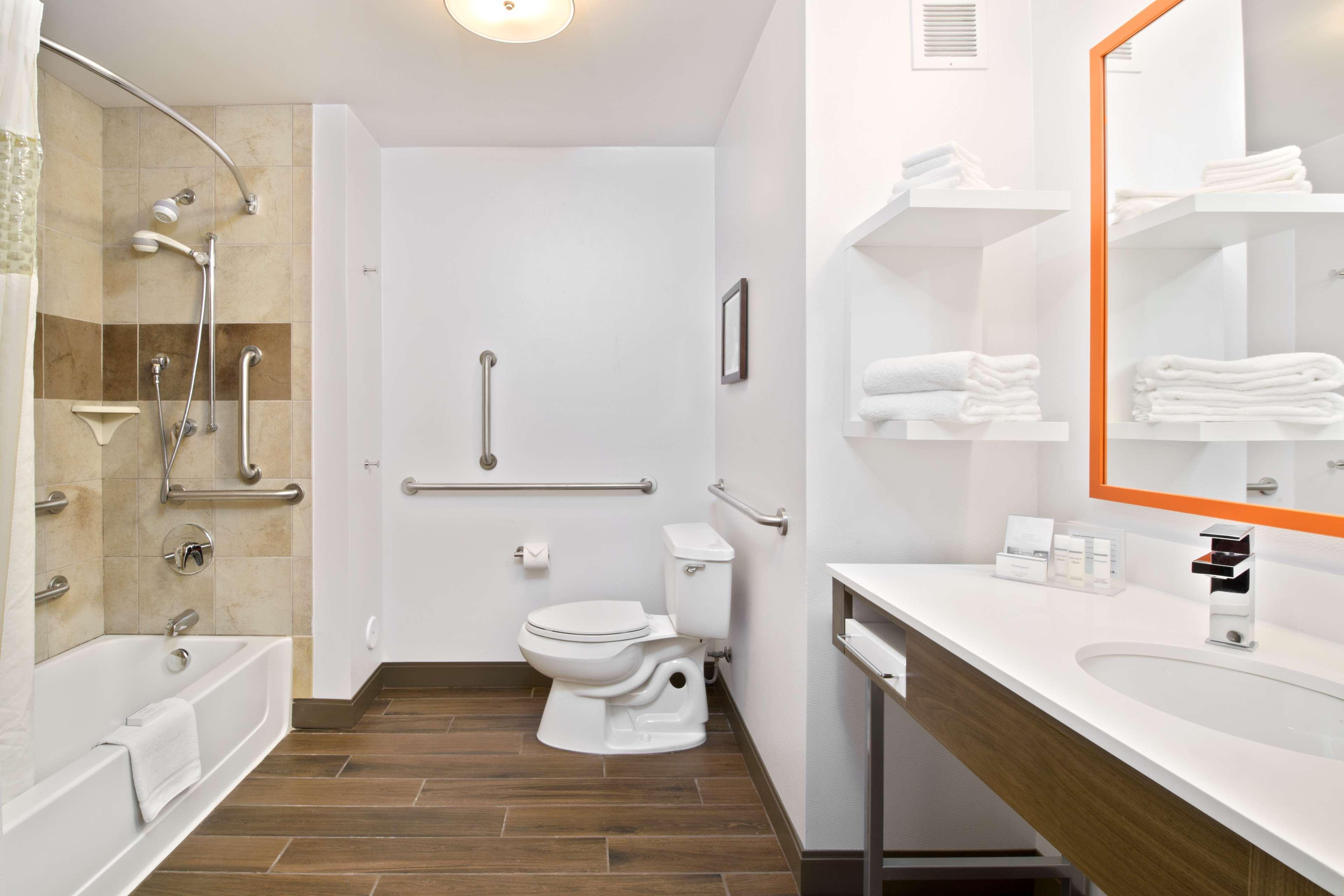 Hampton Inn & Suites Spokane Valley image 30