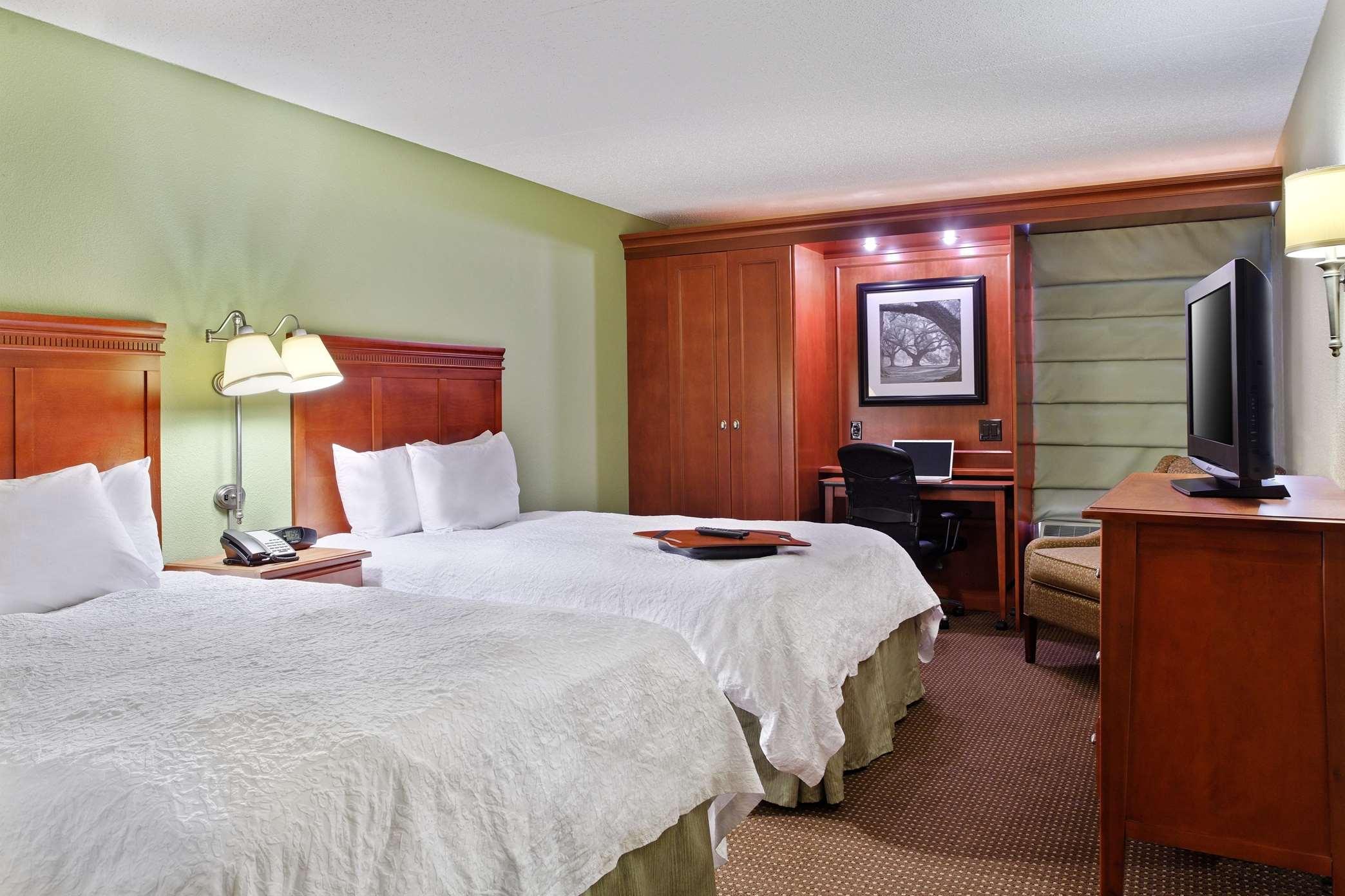 Hampton Inn St. Louis/Westport image 5