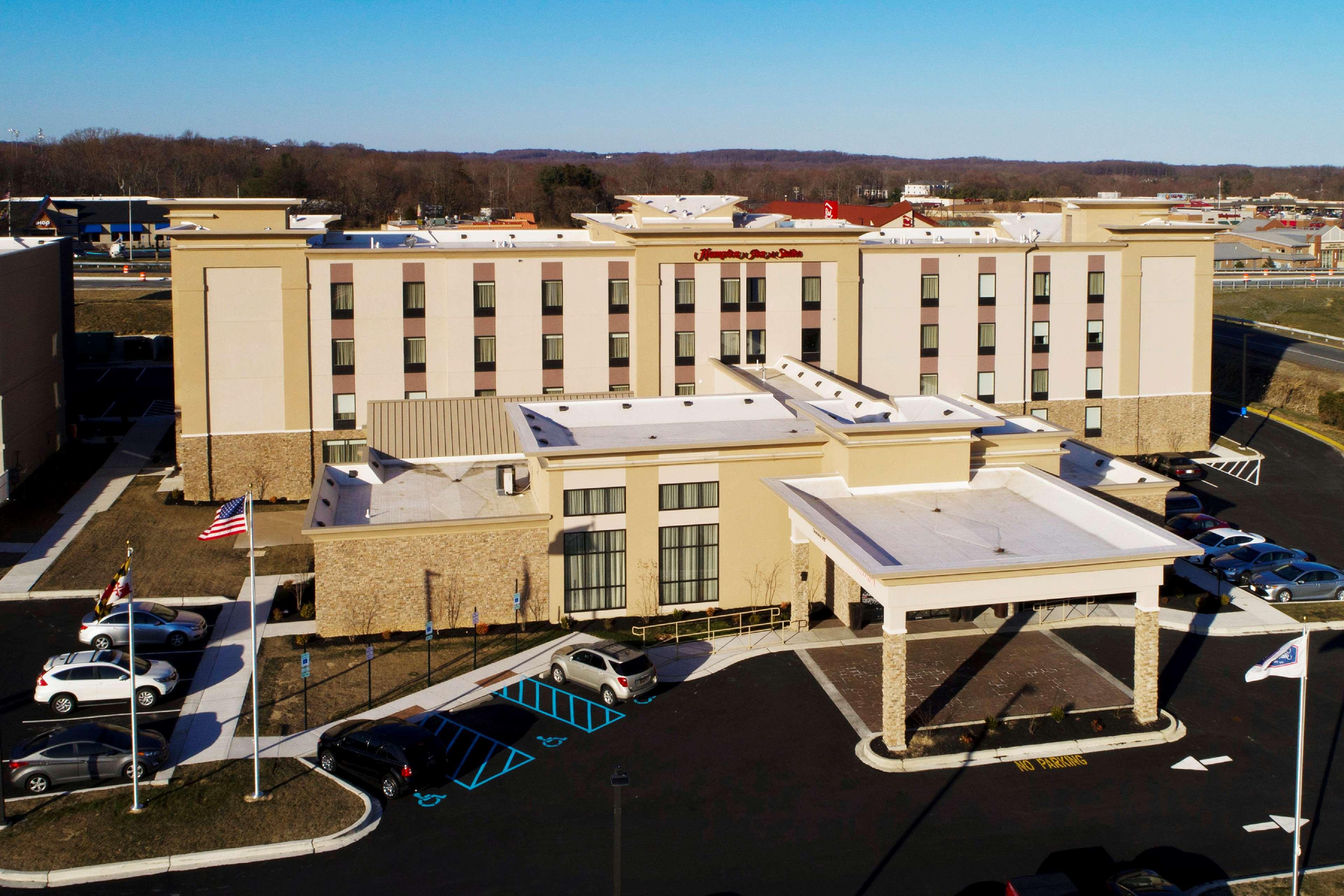 Hampton Inn & Suites Baltimore/Aberdeen image 0