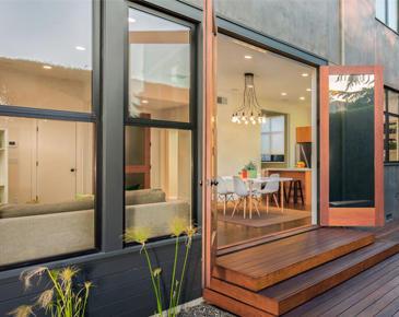 New Smyrna Glass & Design Center image 6
