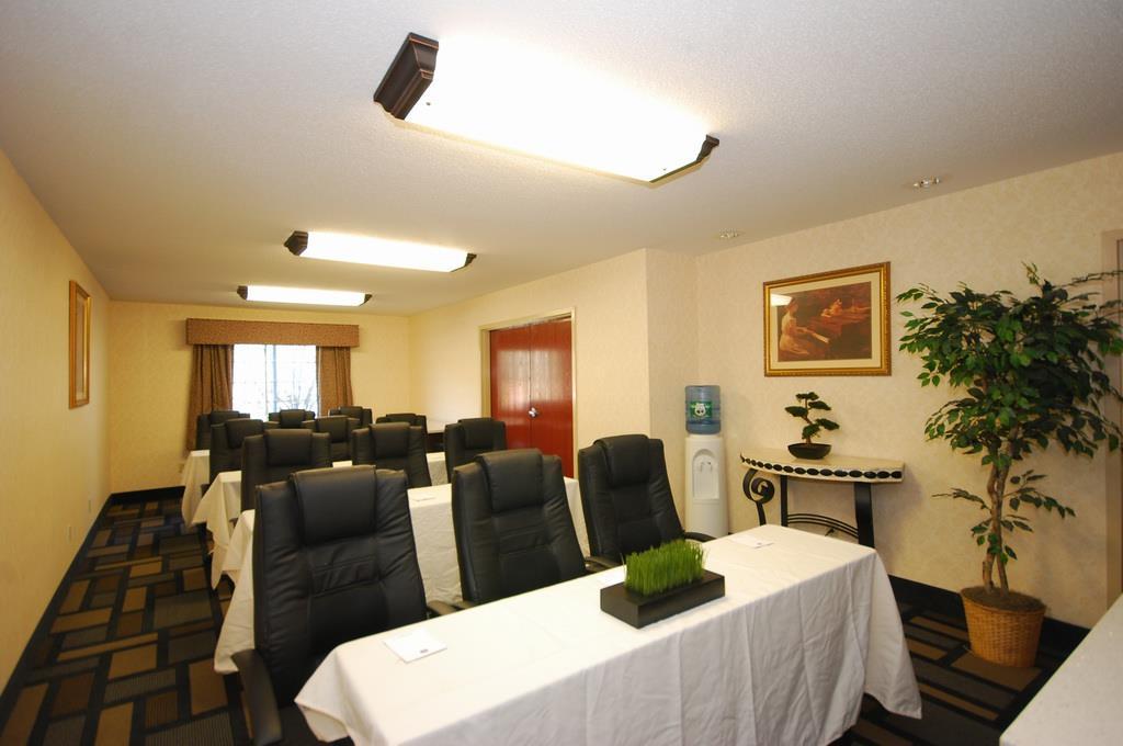 Best Western Plus Berkshire Hills Inn & Suites image 41