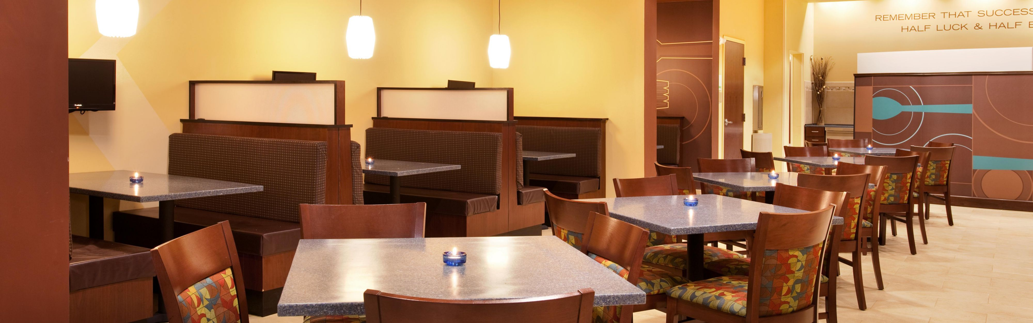 Holiday Inn St. Louis-Fairview Heights image 3