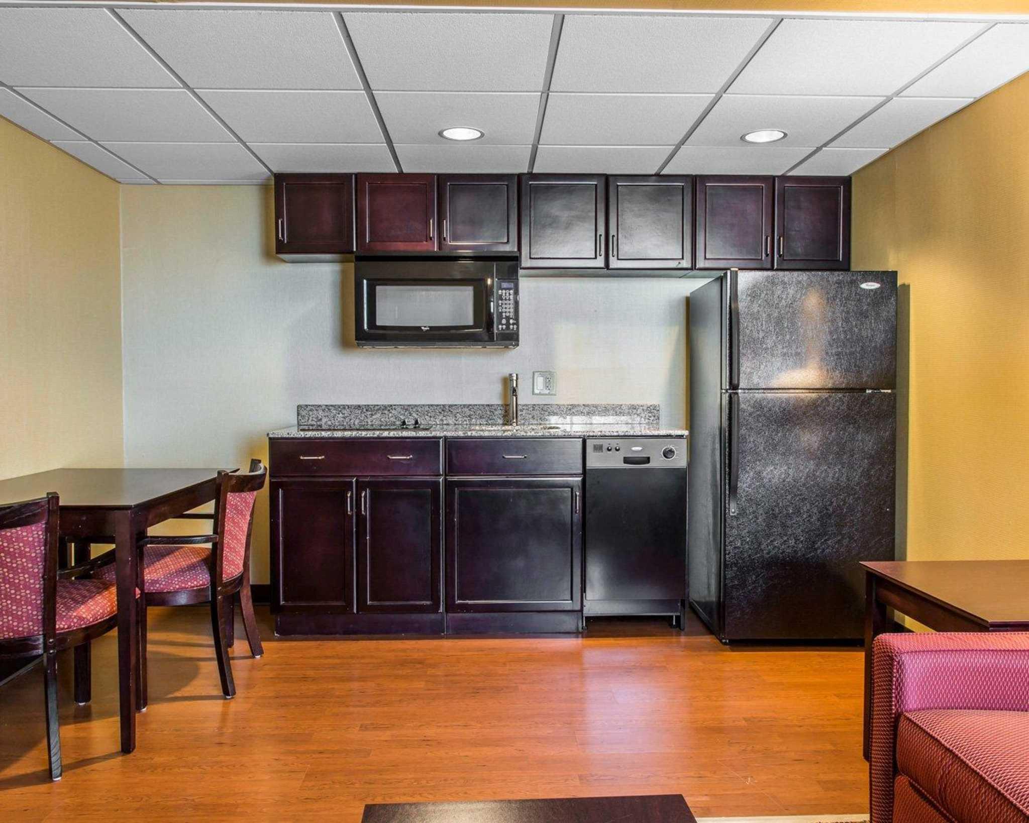 Comfort Inn & Suites East Hartford - Hartford image 14