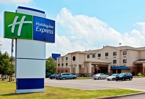Holiday Inn Express Pittsburgh-North (Harmarville) image 4