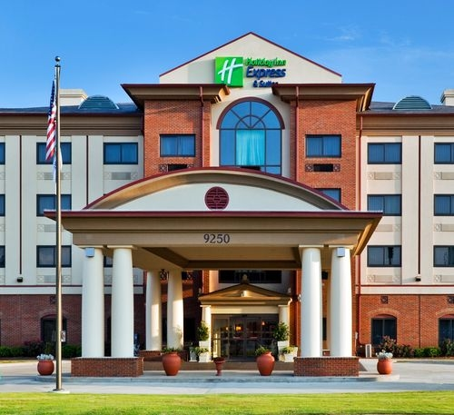 Holiday inn express suites montgomery e eastchase at 9250 boyd cooper parkway montgomery for Hilton garden inn eastchase montgomery al